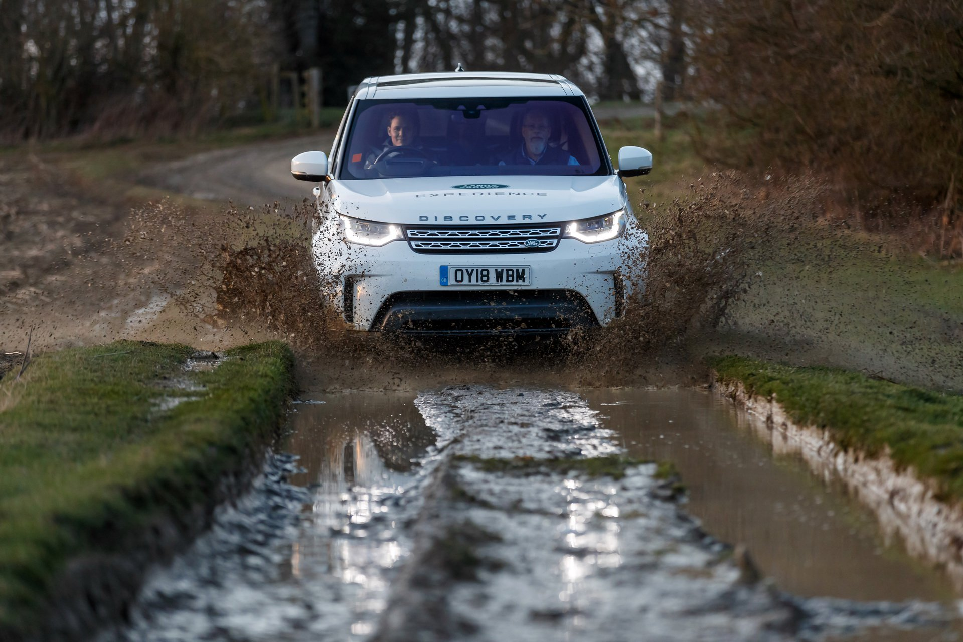 Land Rover Discovery Mobile Malaria Project (15)
