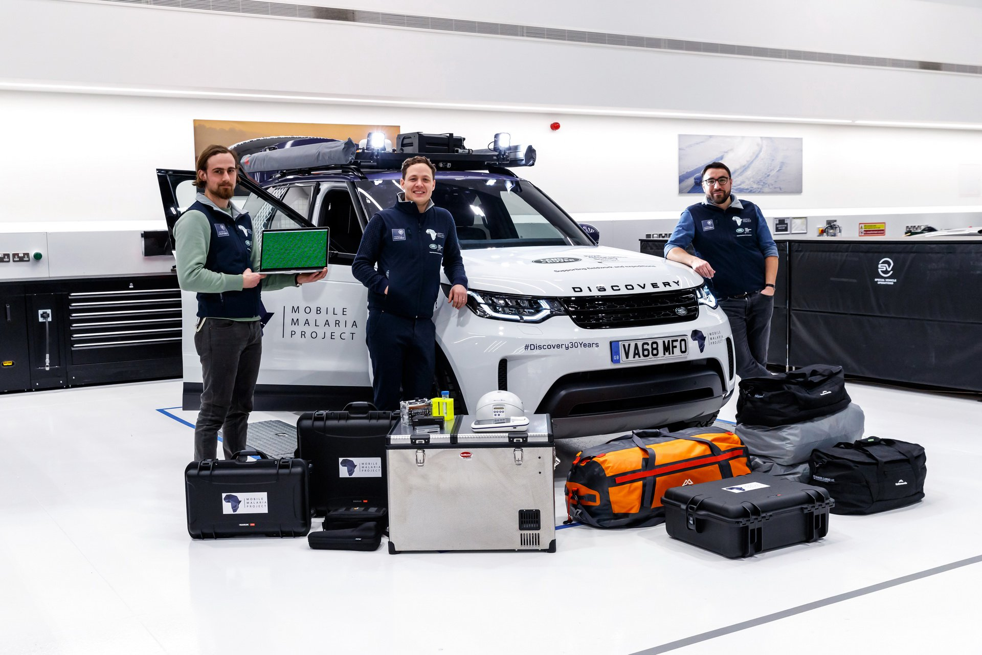 Land Rover Discovery Mobile Malaria Project (5)