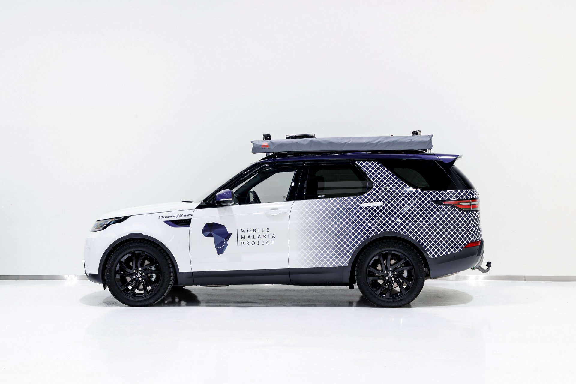 Land Rover Discovery Mobile Malaria Project (7)