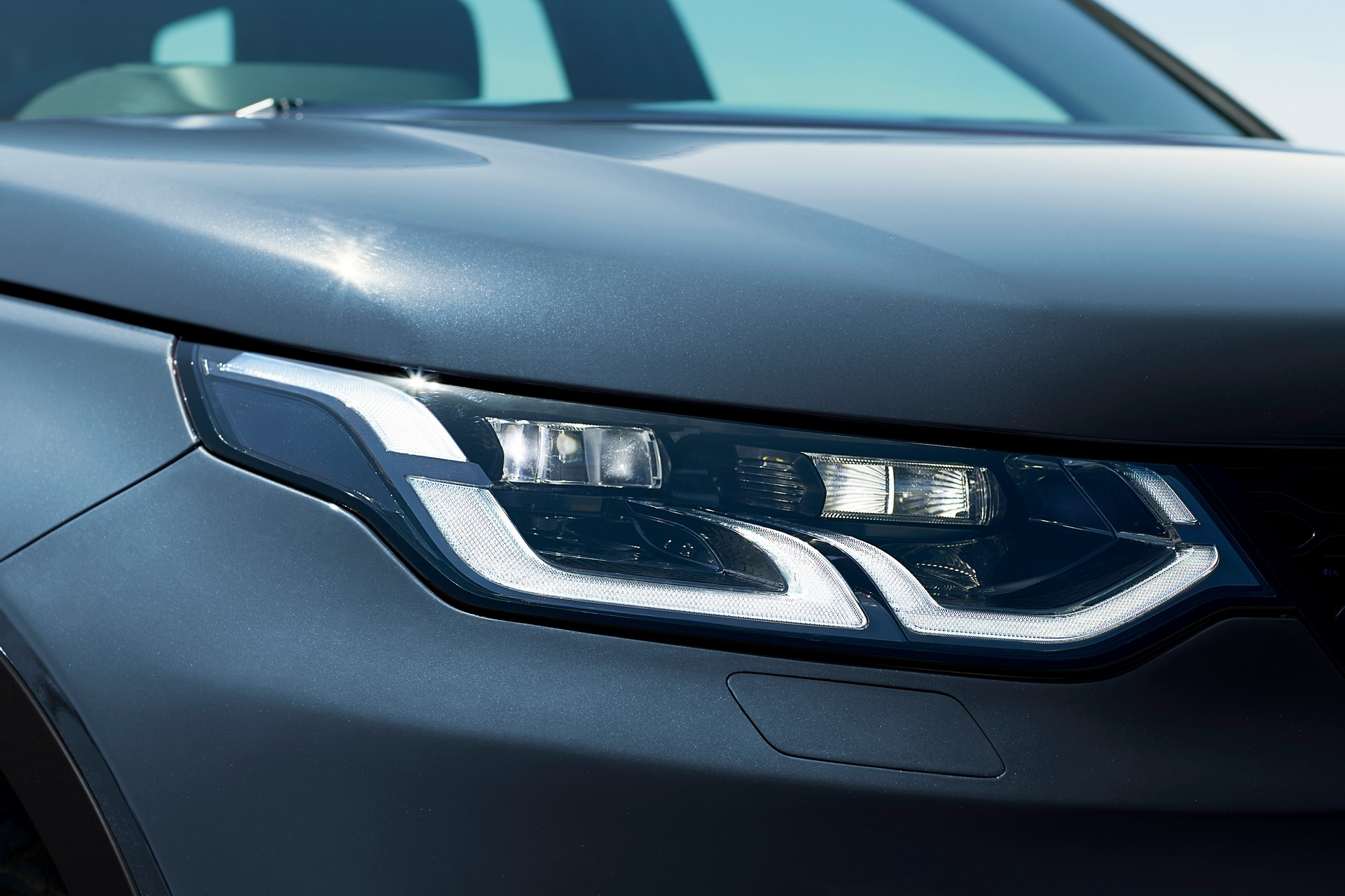 Land-Rover-Discovery-Sport-2020-102