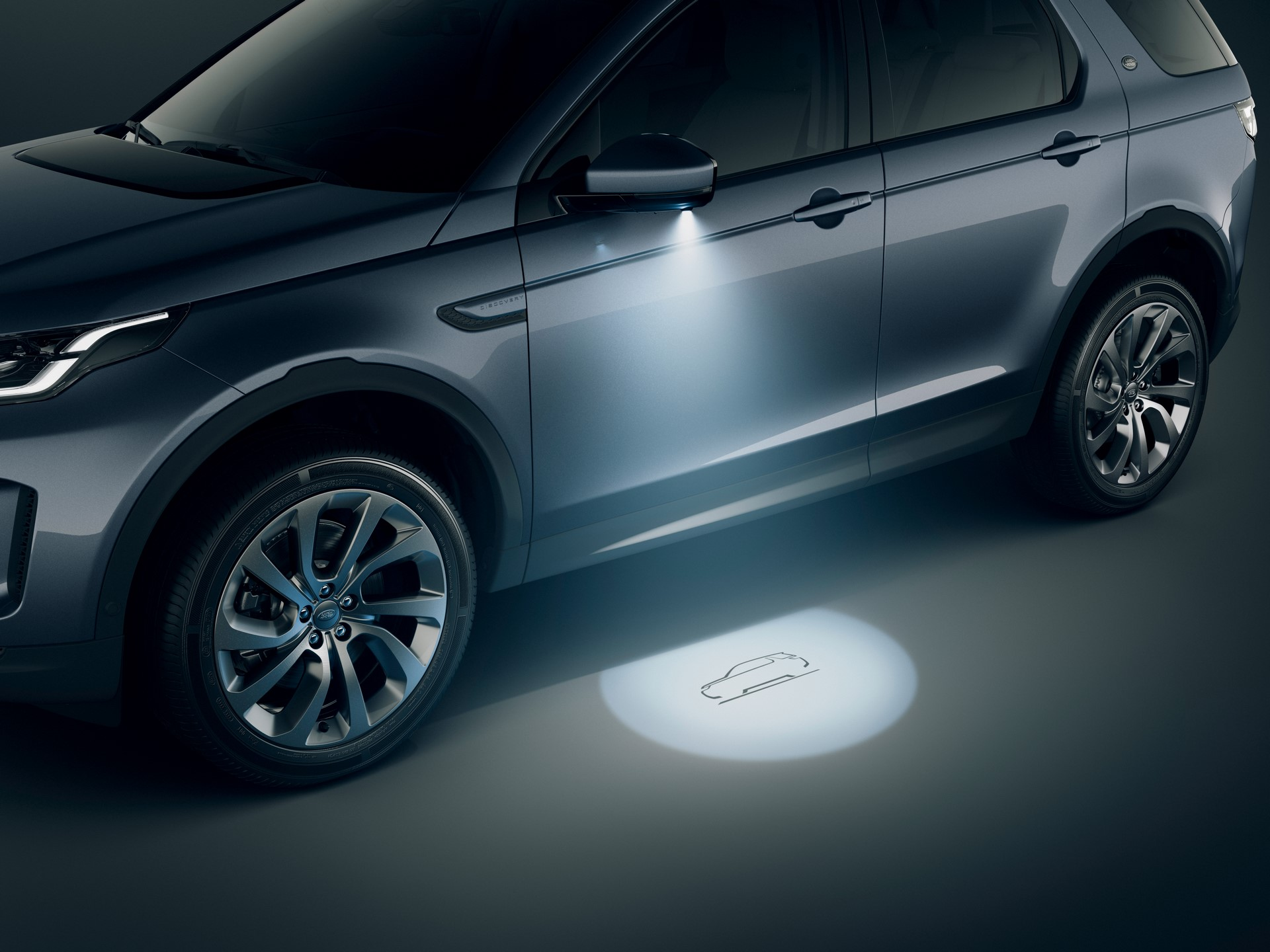 Land-Rover-Discovery-Sport-2020-104
