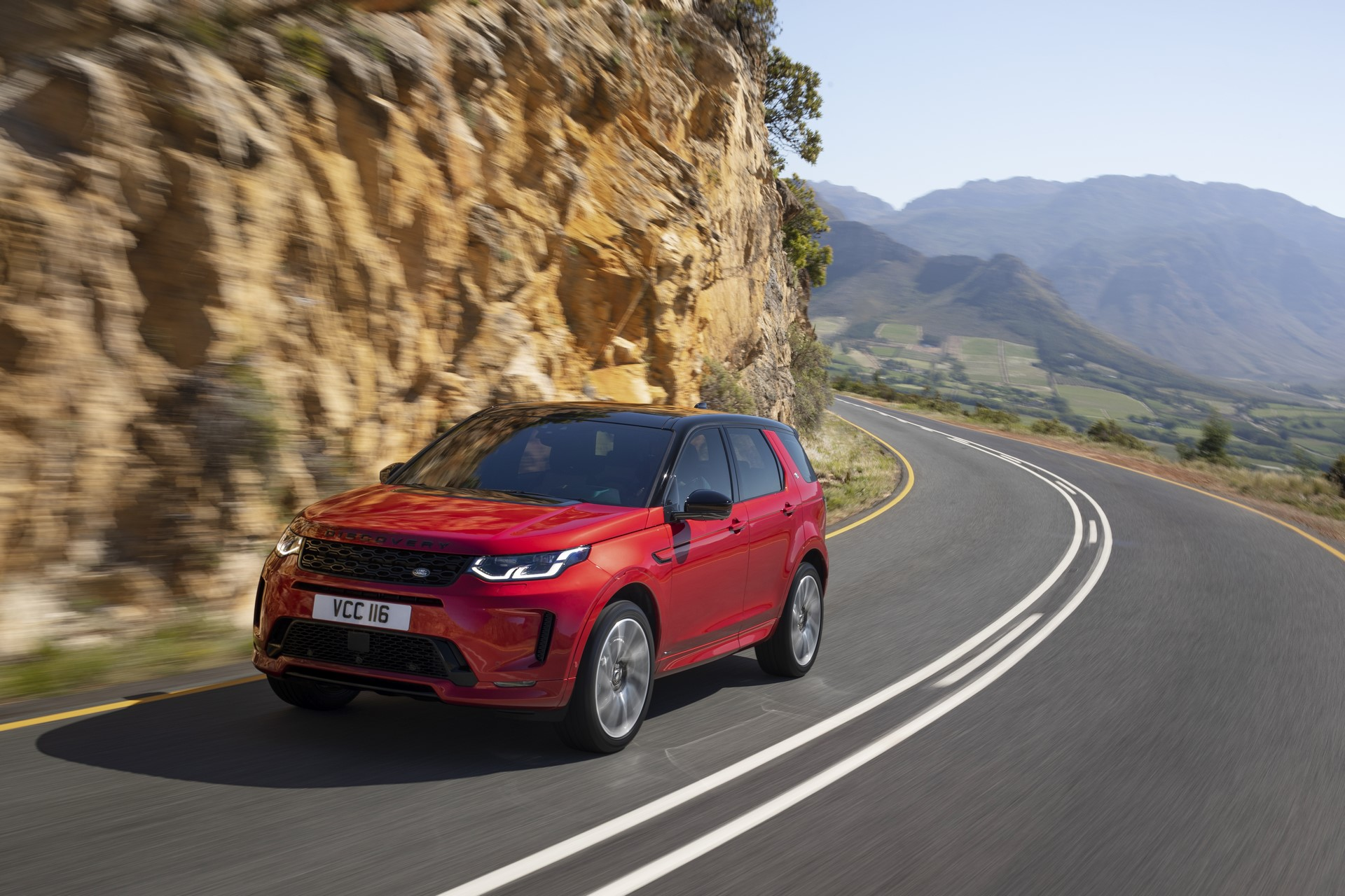 Land-Rover-Discovery-Sport-2020-2
