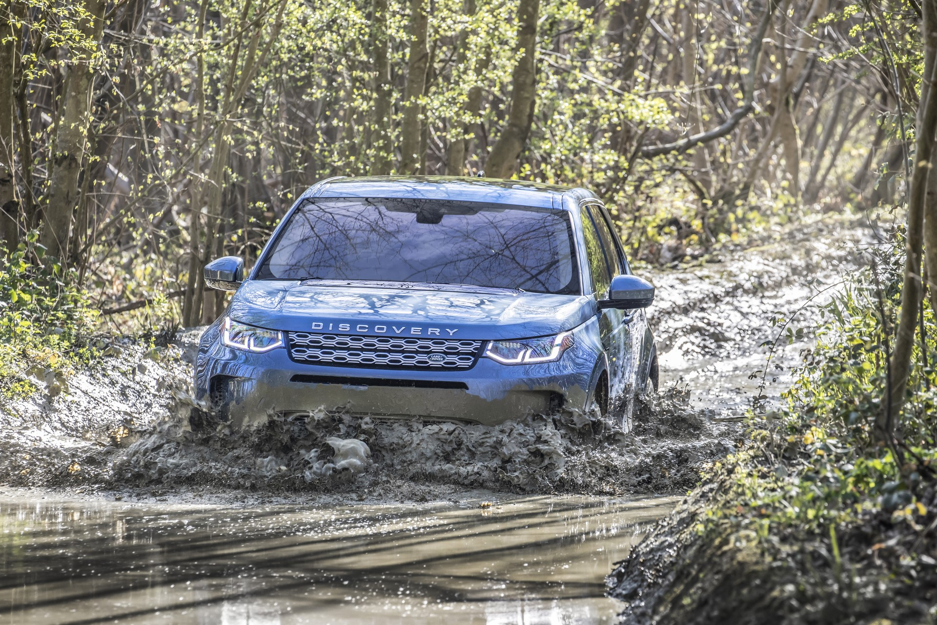 Land-Rover-Discovery-Sport-2020-58