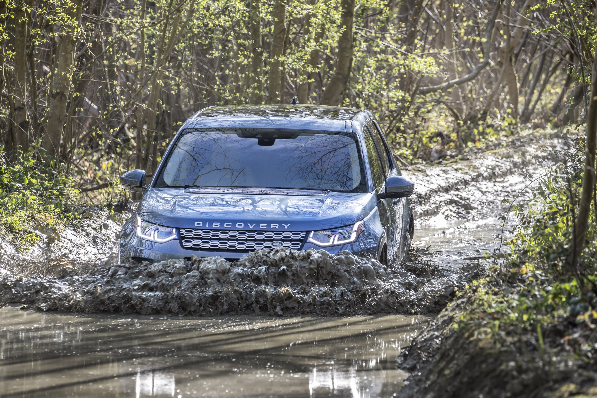 Land-Rover-Discovery-Sport-2020-59