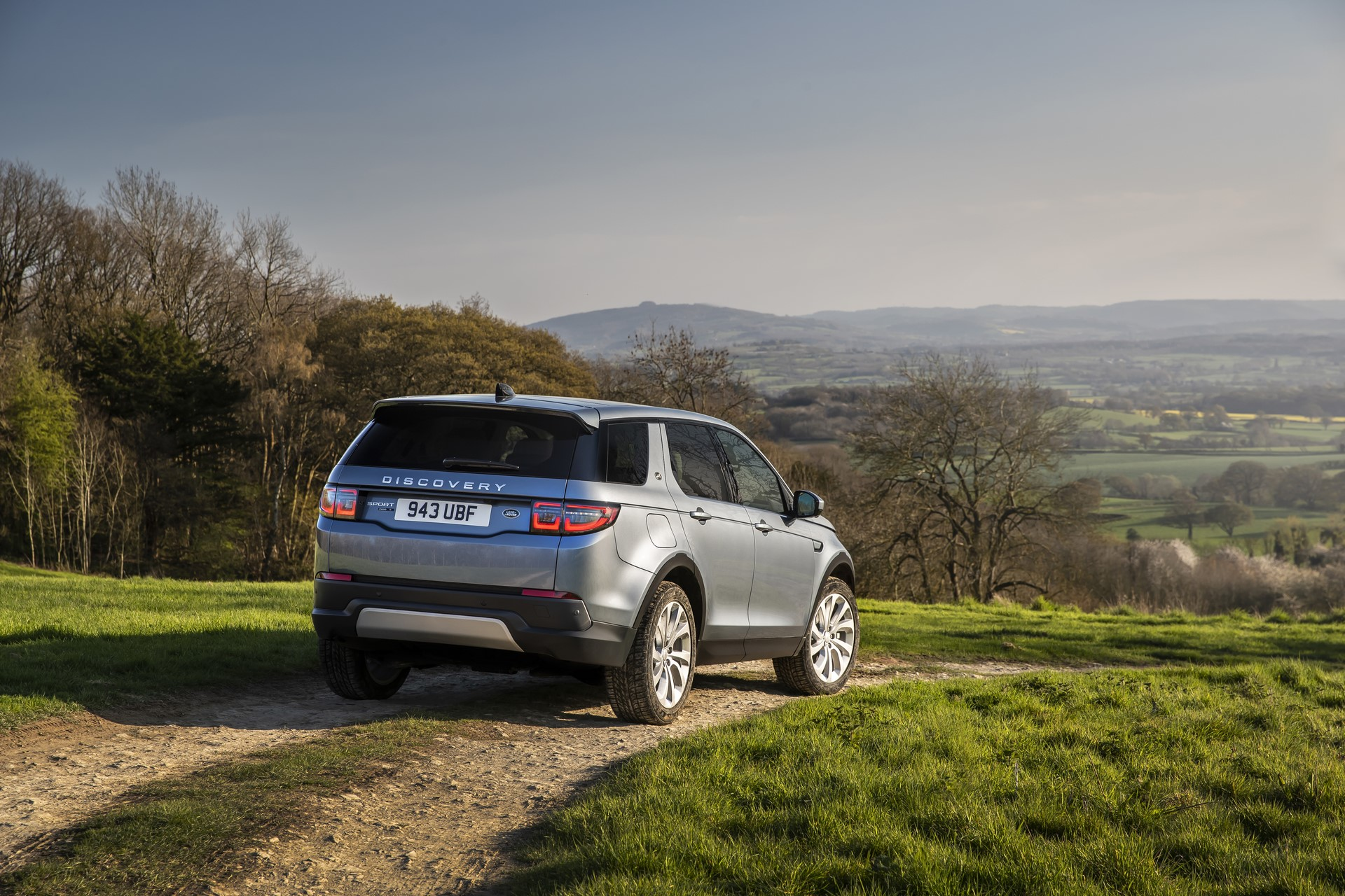 Land-Rover-Discovery-Sport-2020-62