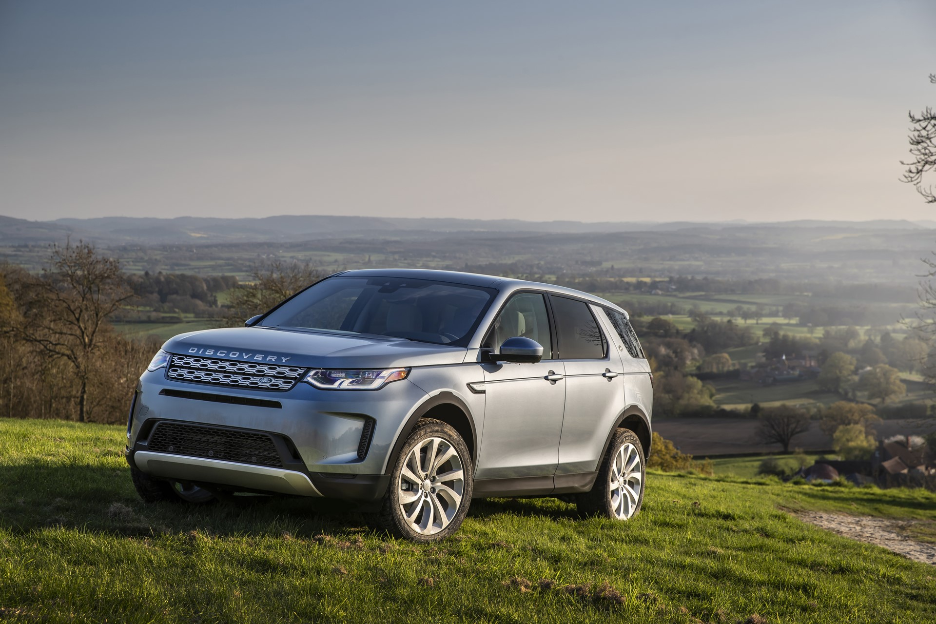 Land-Rover-Discovery-Sport-2020-63