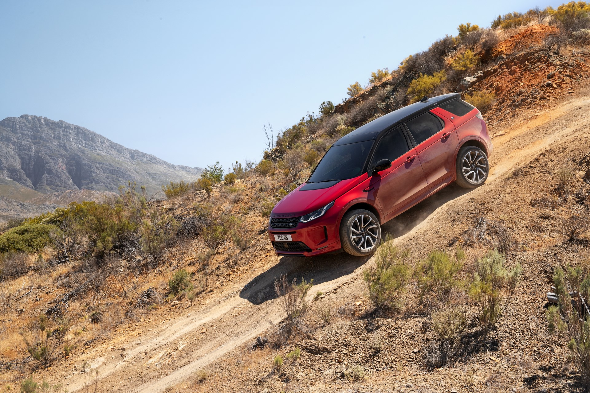 Land-Rover-Discovery-Sport-2020-64