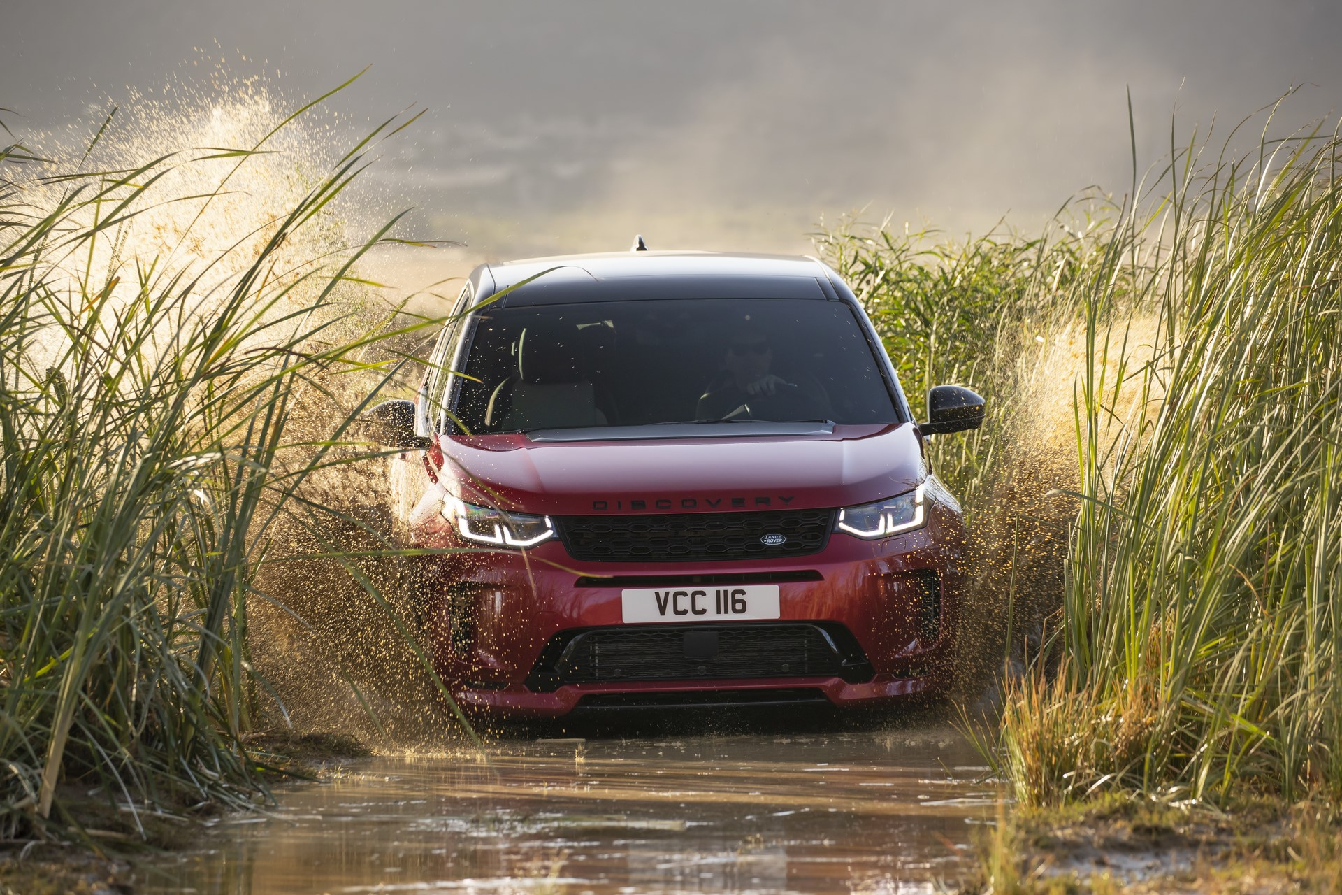 Land-Rover-Discovery-Sport-2020-65