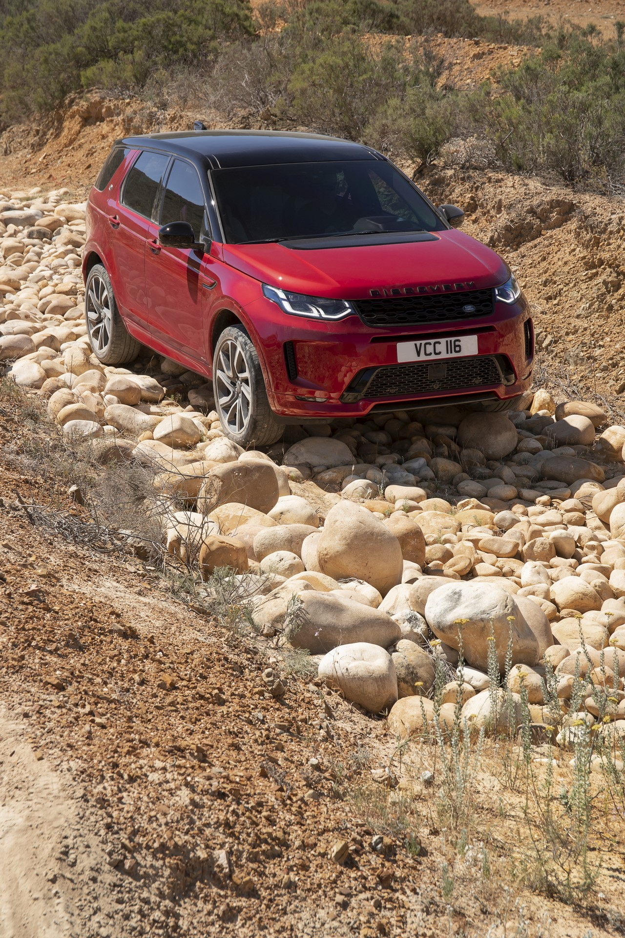 Land-Rover-Discovery-Sport-2020-68
