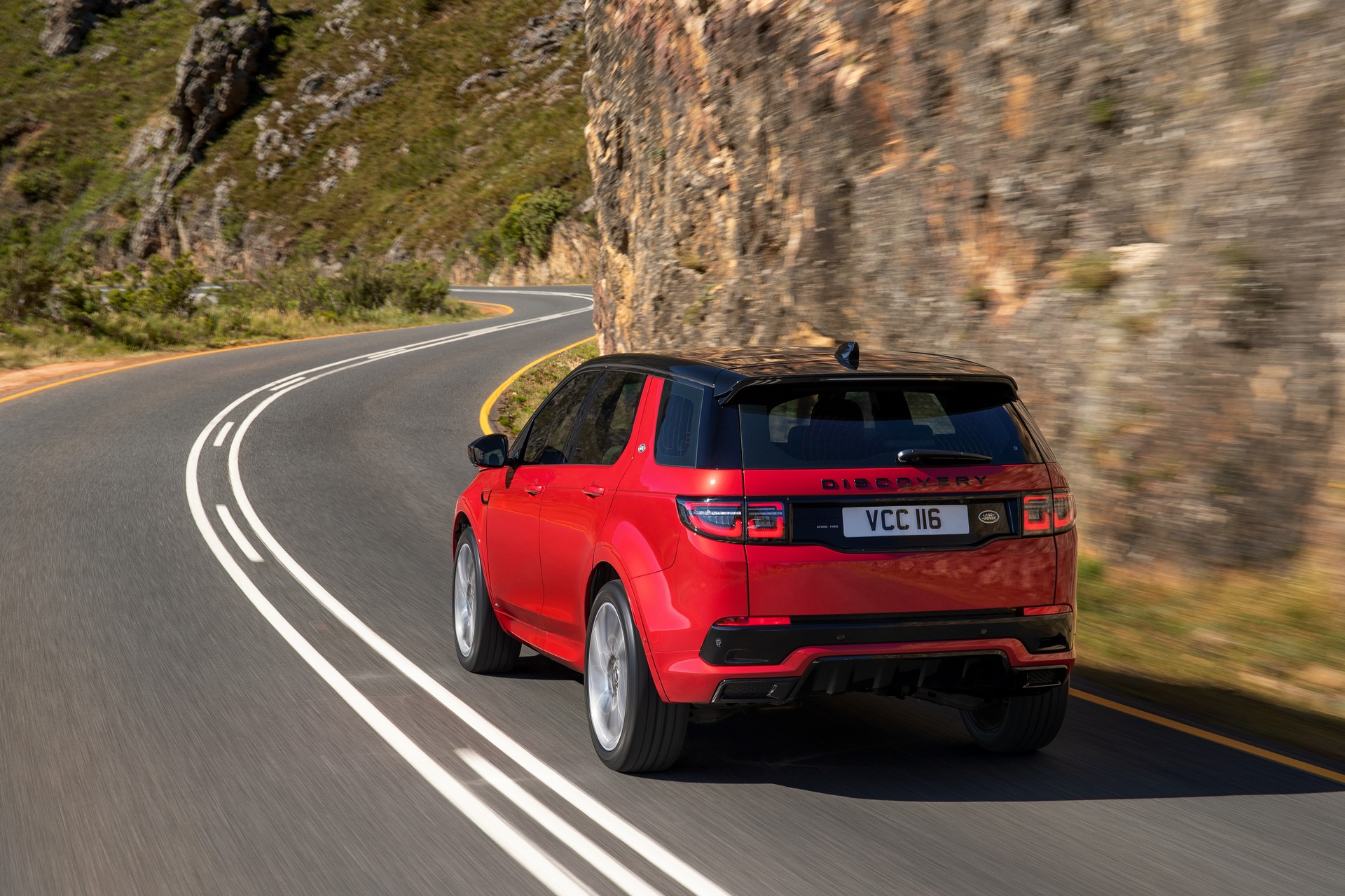 Land-Rover-Discovery-Sport-2020-7