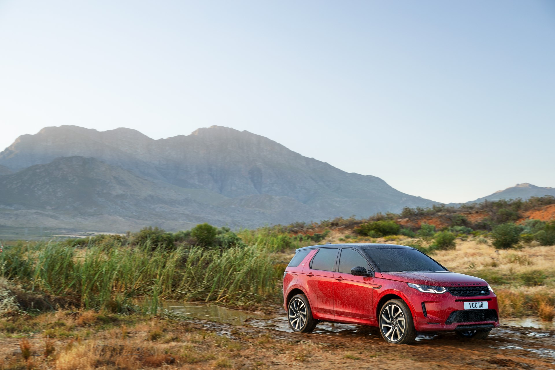 Land-Rover-Discovery-Sport-2020-70