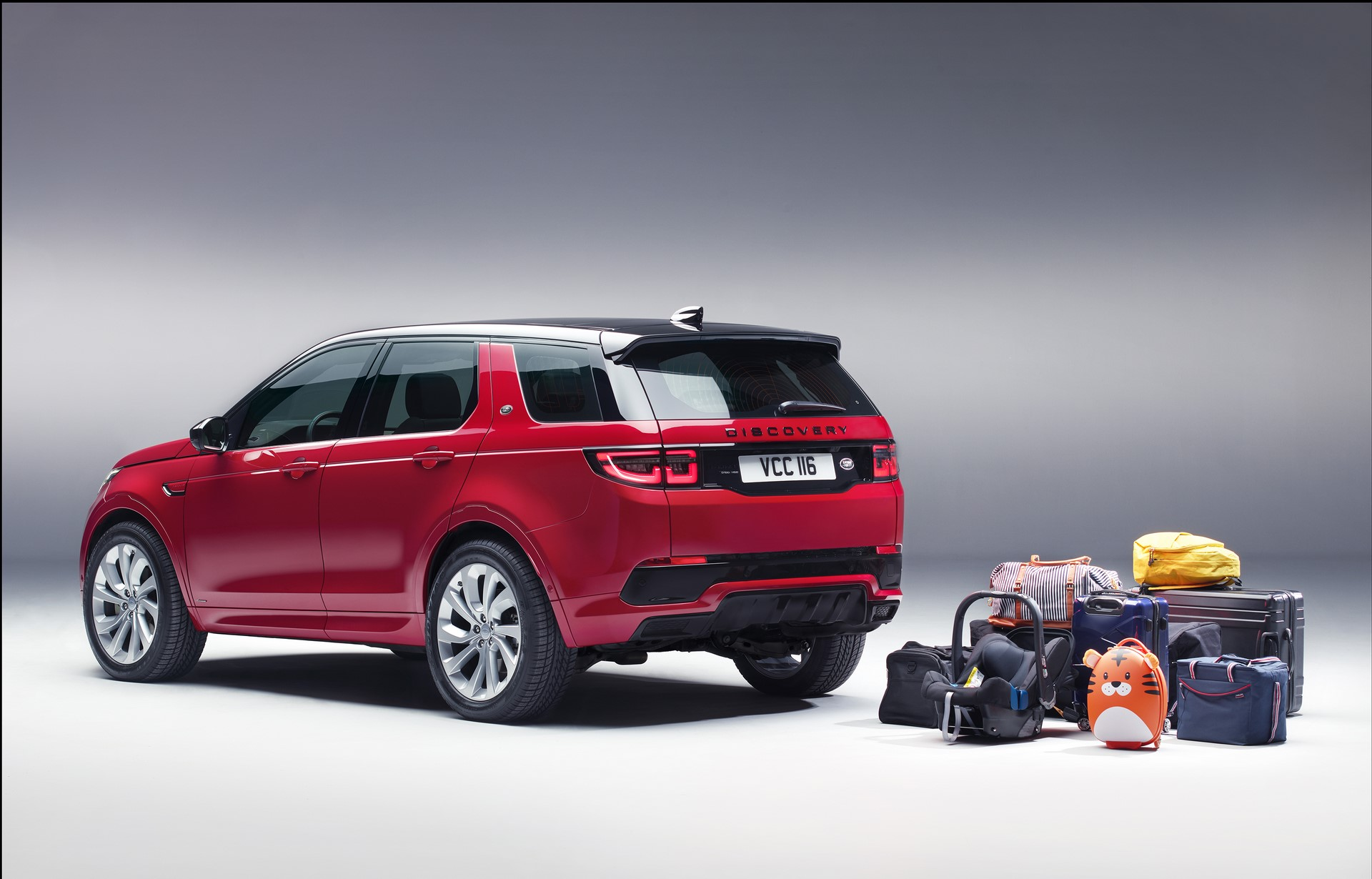 Land-Rover-Discovery-Sport-2020-75