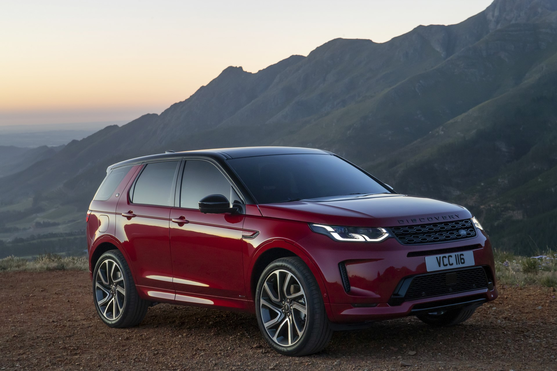 Land-Rover-Discovery-Sport-2020-78