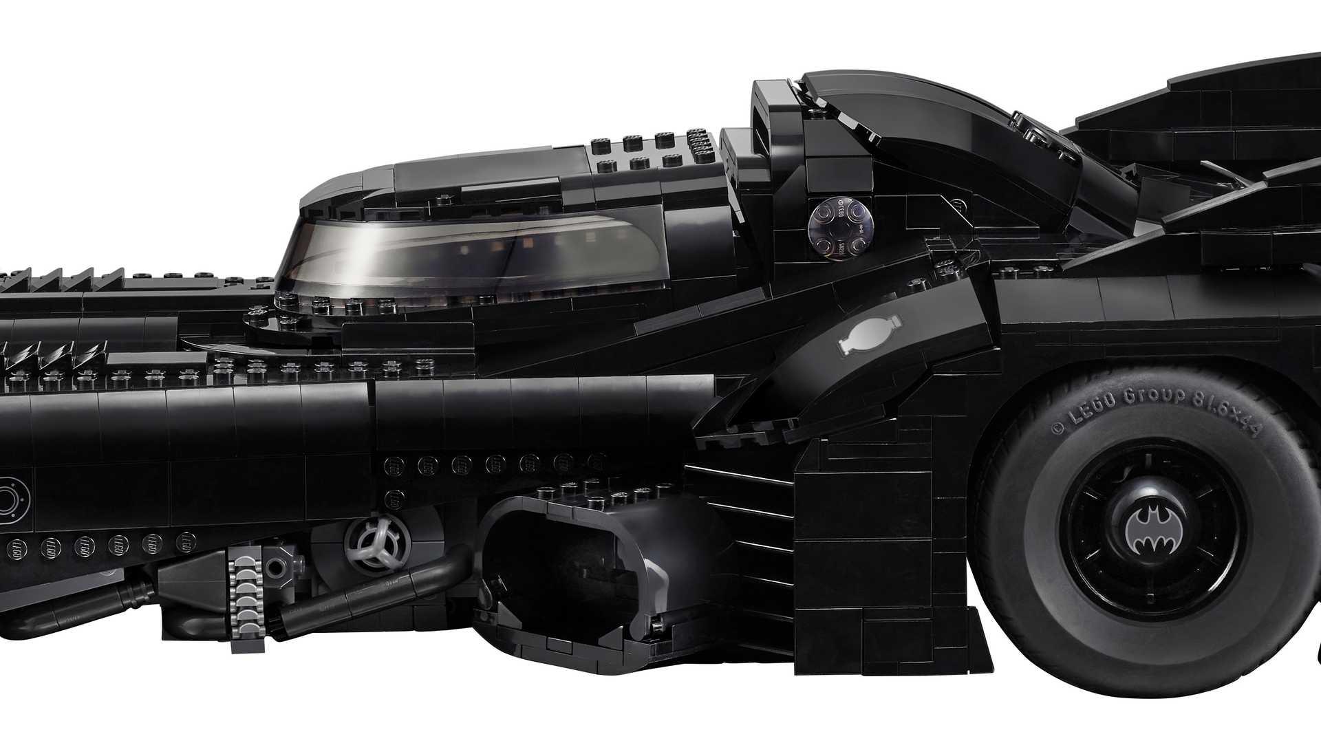 Lego-Batmobile-kit-1989-25