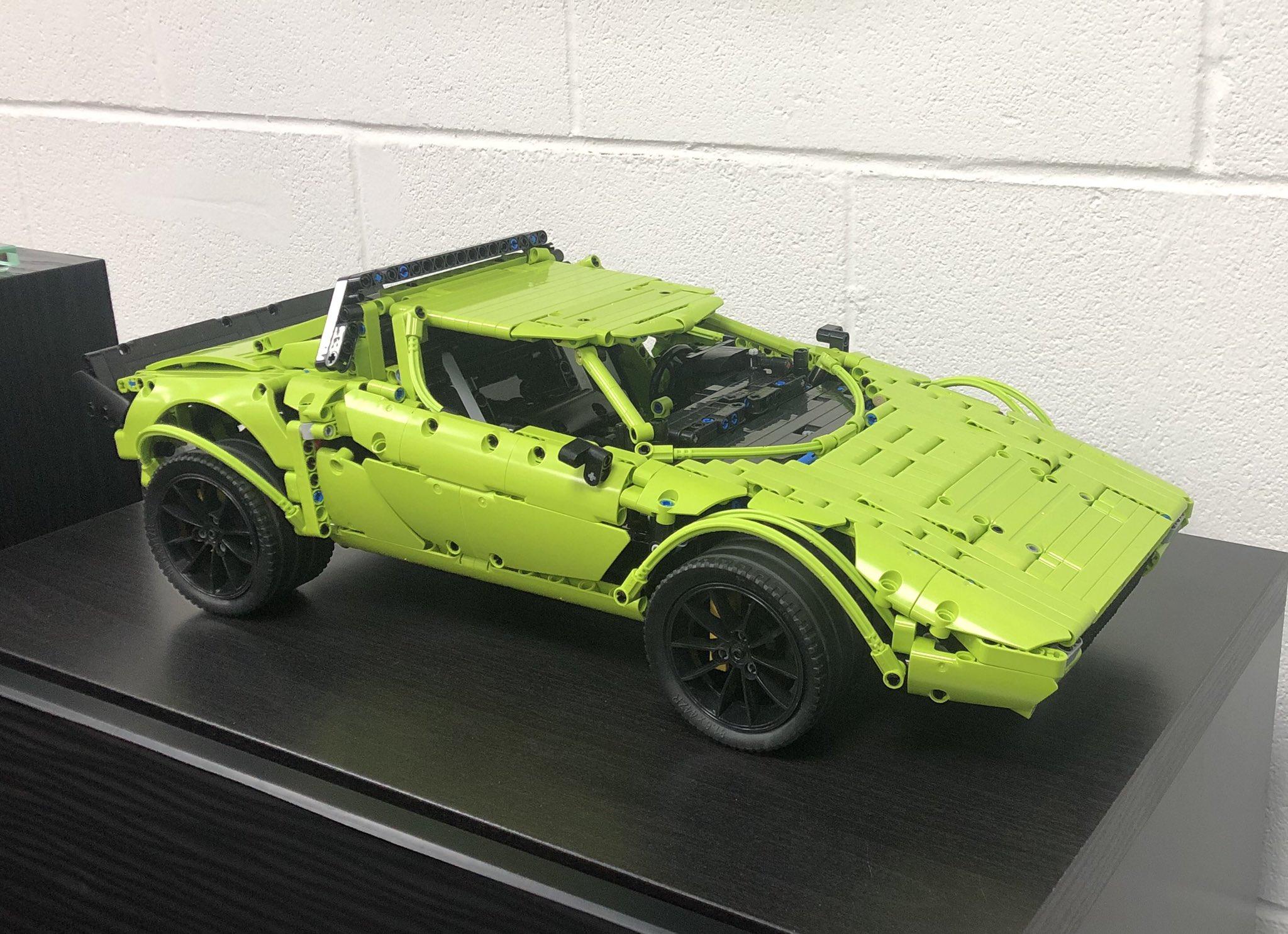 Lego Technic Lancia Stratos Porsche GT3 RS kit (1)