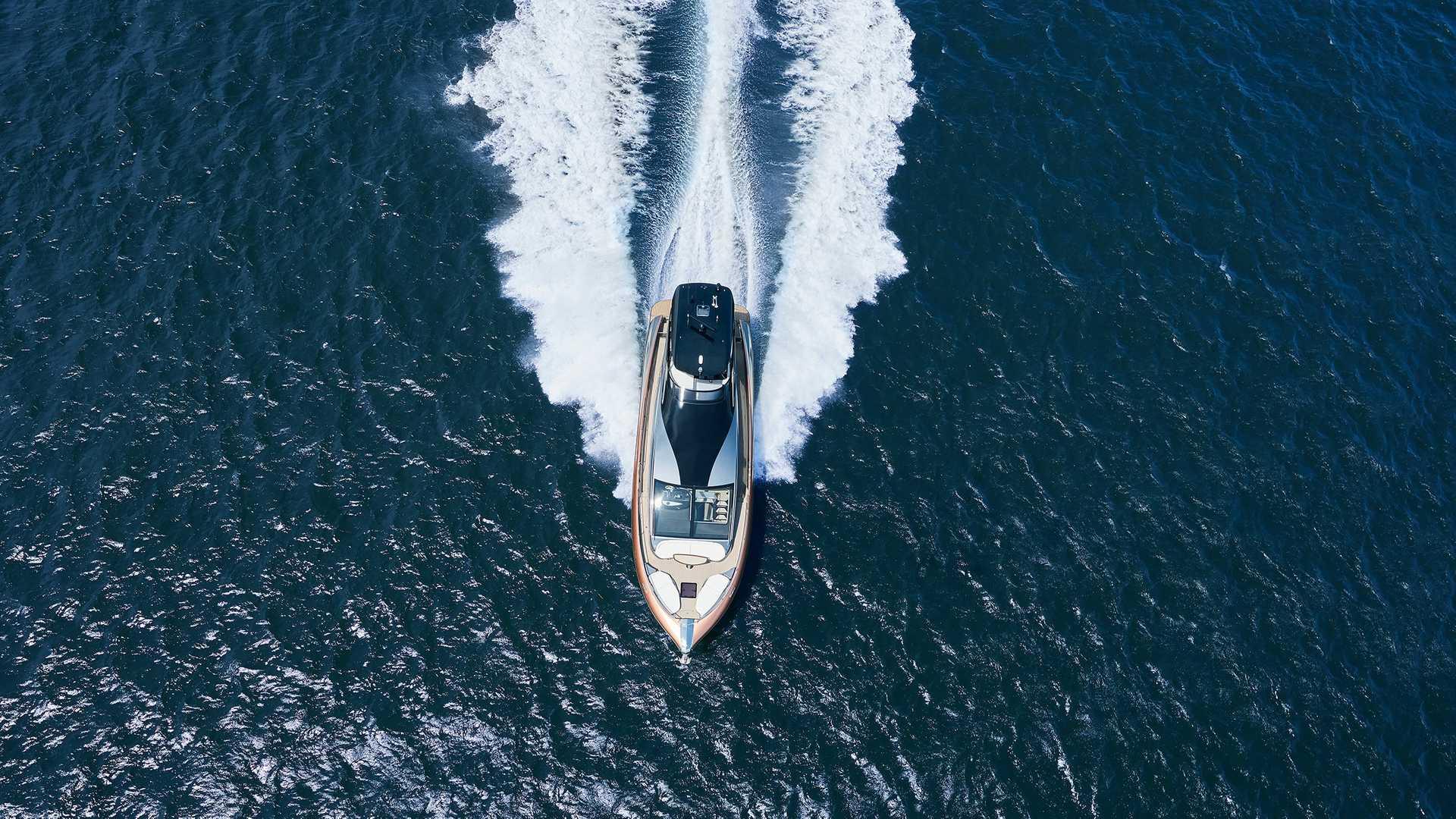Lexus-LY-650-Yacht-9
