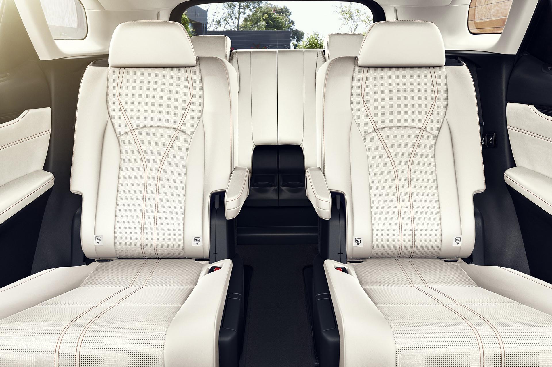 2020_Lexus_RX350L_Luxury_03_B9F08AA50A607628A280551C90CDAD85A587EC6F
