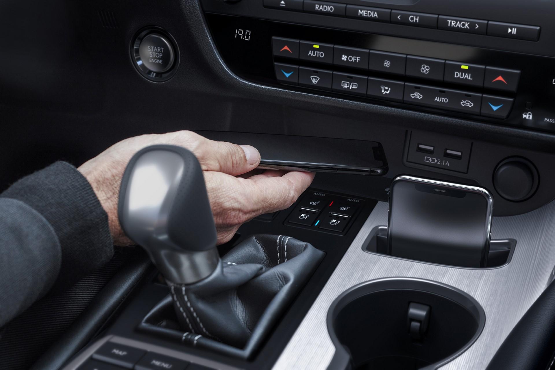 2020_Lexus_RX350_FSPORT_18_233556422C31BE692076594A0A80ED3AB5A1F864