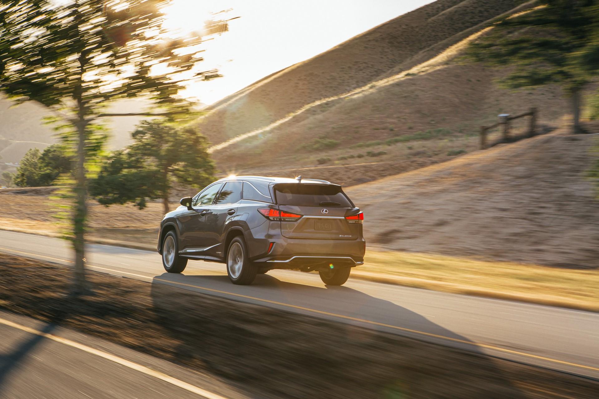 2020_Lexus_RX450hL_05_664B0A33D064250BEE1C523812F086D555FD8C15