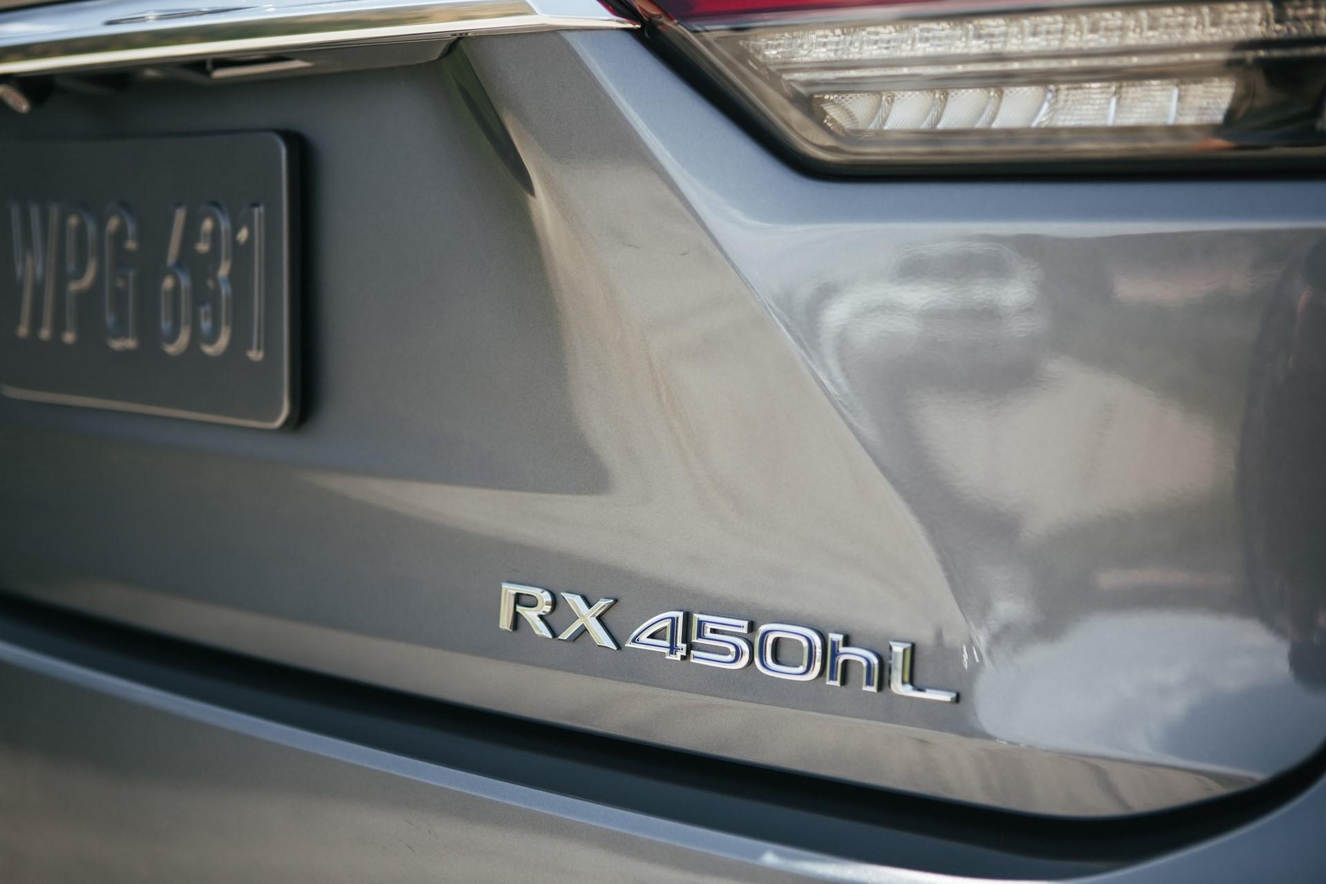 2020_Lexus_RX450hL_09_A662BDA67283881BA353E88E72B13814B99D4103