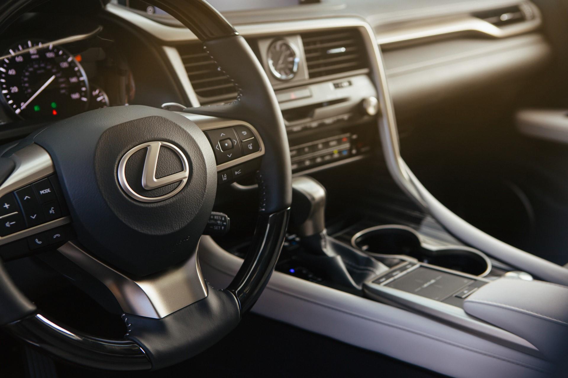 2020_Lexus_RX_450hL_15_DF77ADC3CD0BDCF4BF6B0F08D25569A3087A143F