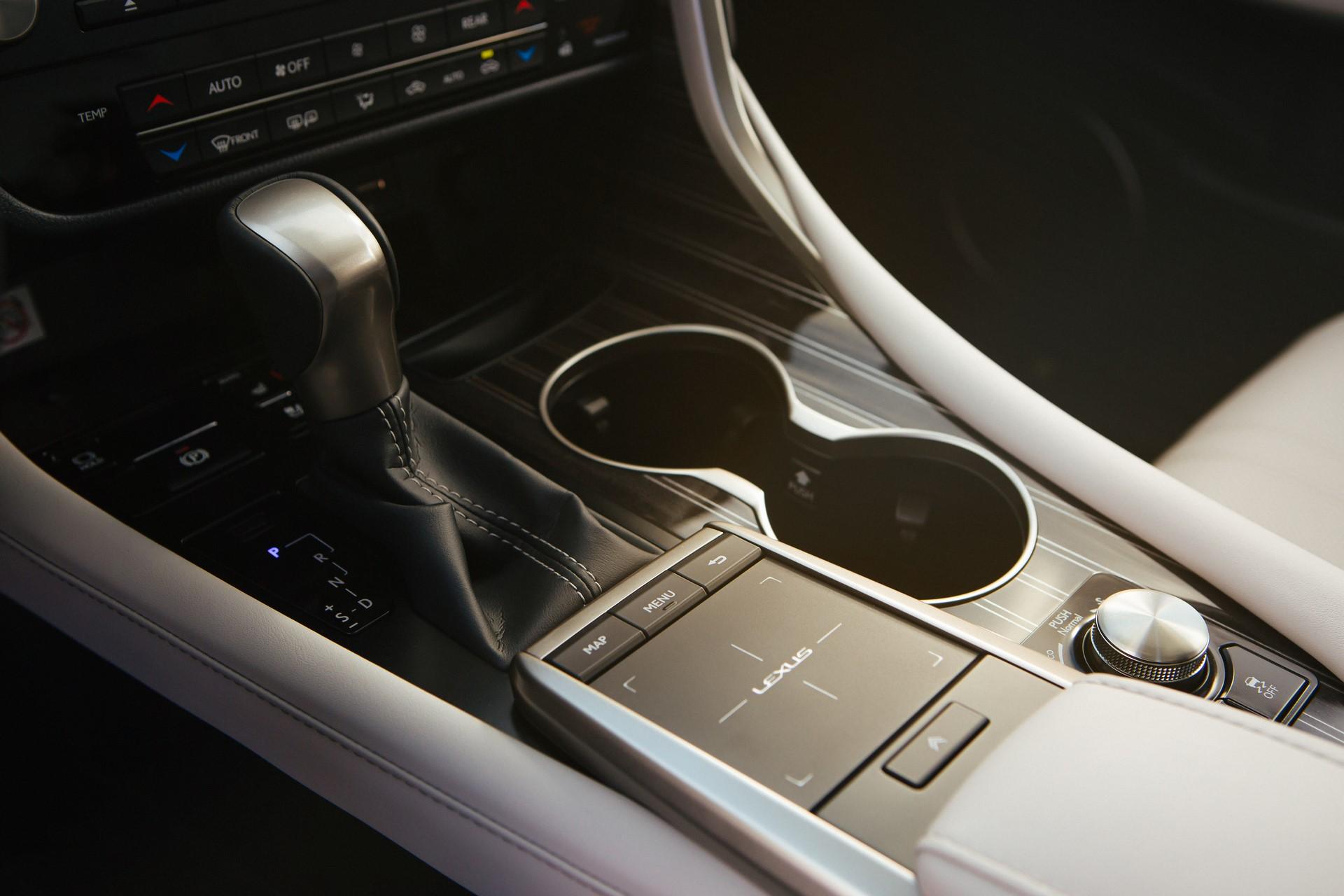 2020_Lexus_RX_450hL_16_0BC25A96F8C13A59D5201AD12FB94E9F10BC0F45
