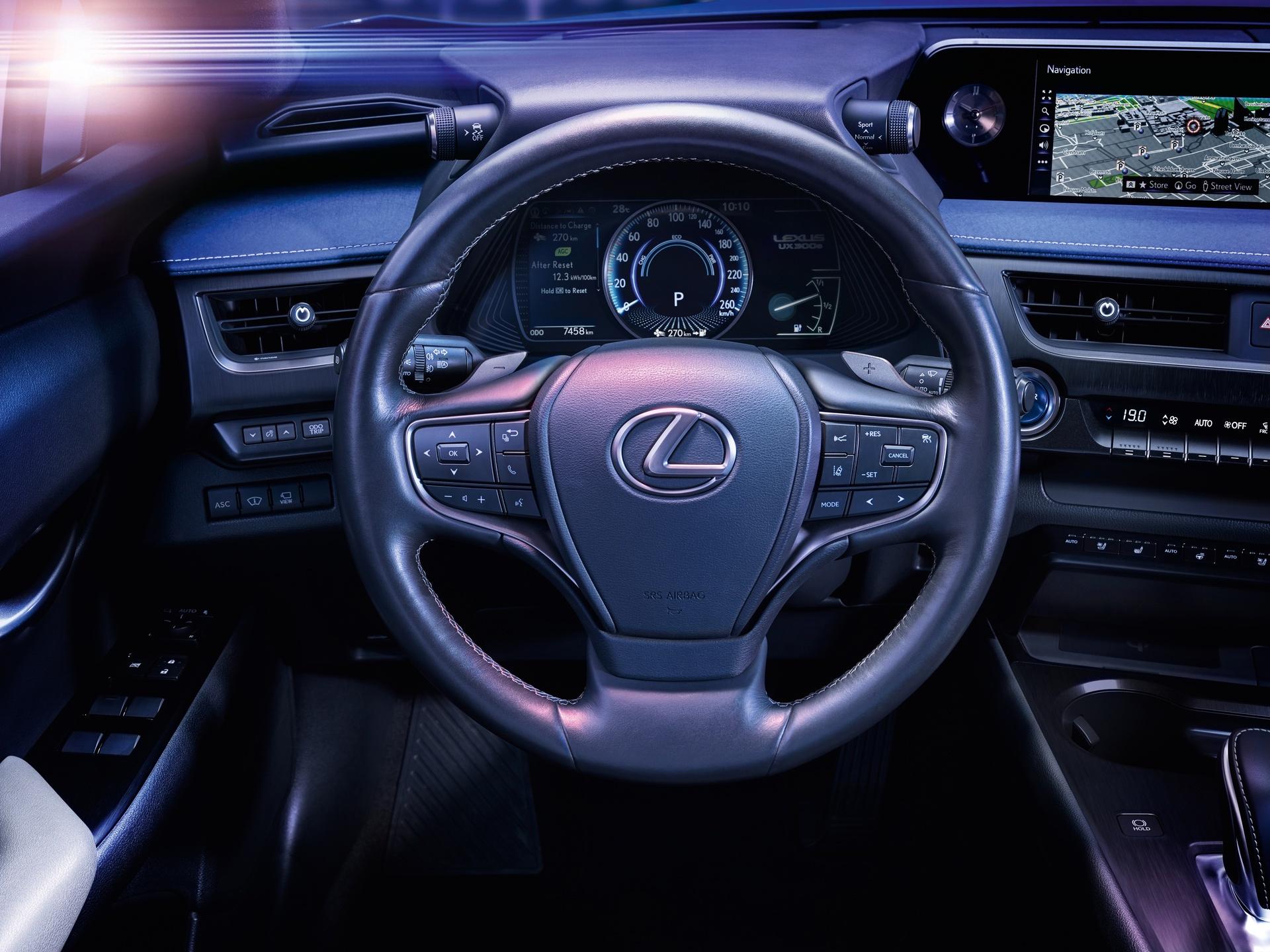 Lexus_UX_300e_0013