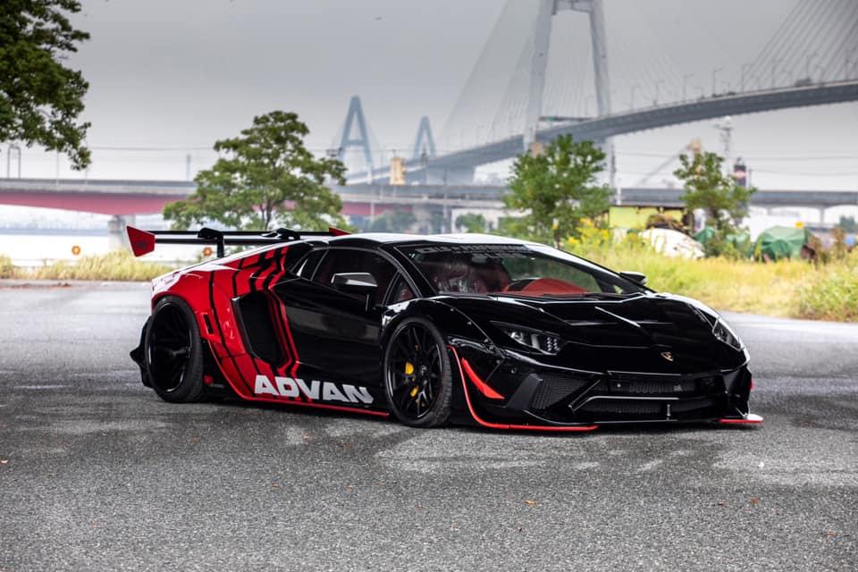 Liberty_Walk_Lamborghini_Aventador_0002