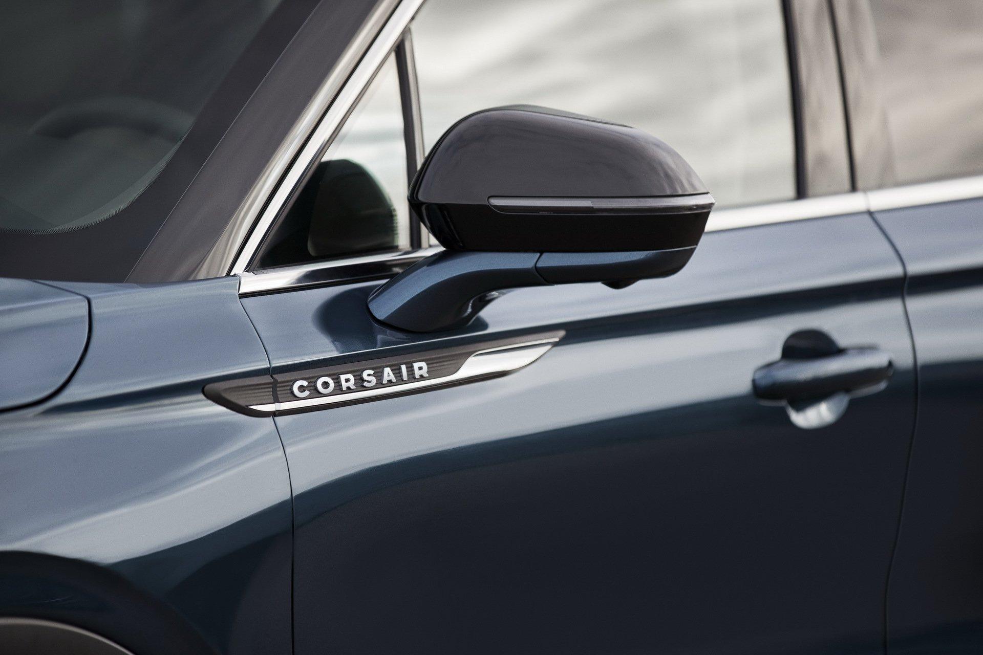Lincoln-Corsair-2020-15