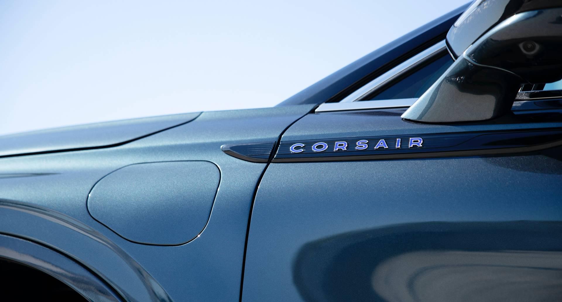 Lincoln-Corsair-Grand-Touring-2020-32