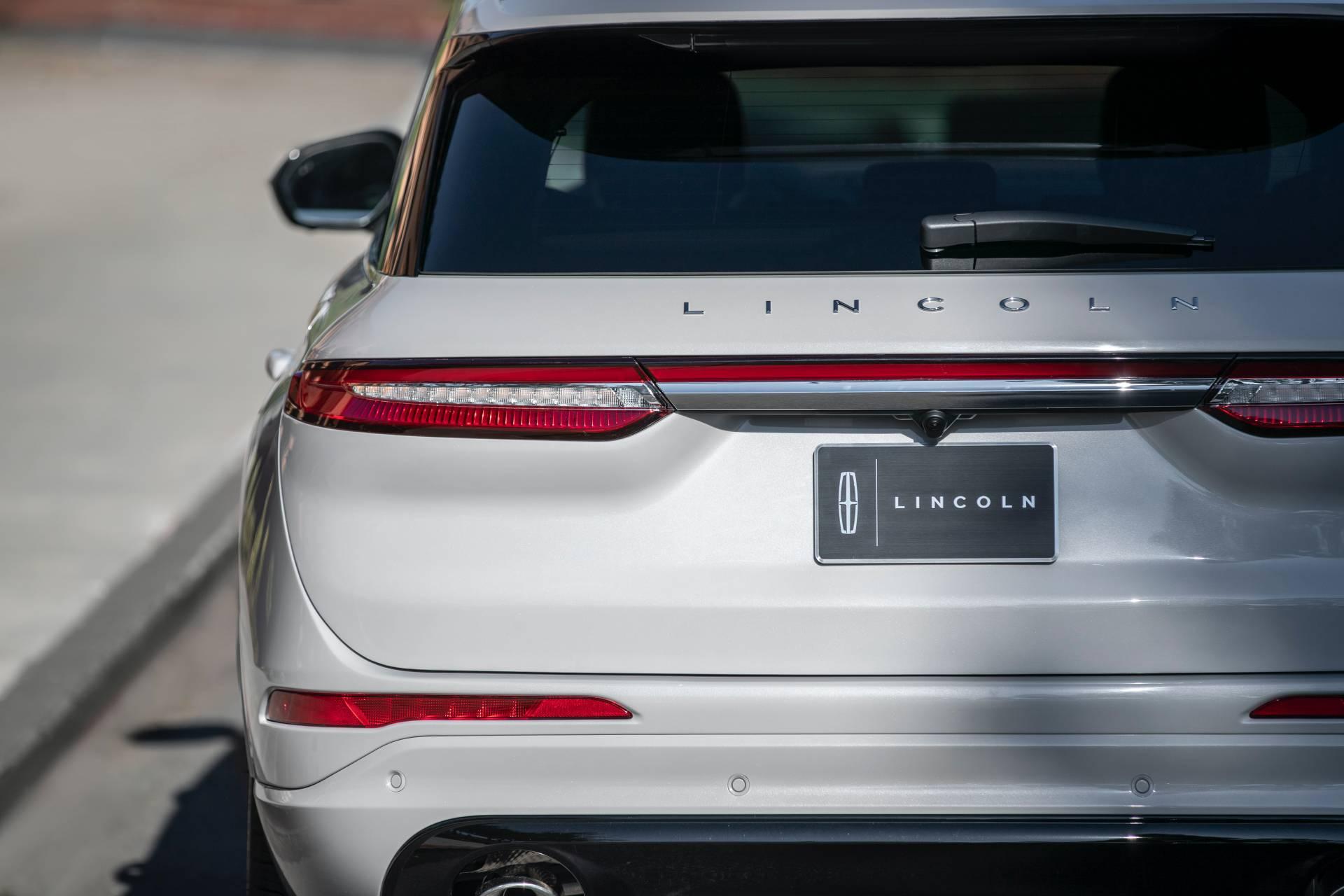Lincoln-Corsair-Grand-Touring-2020-46