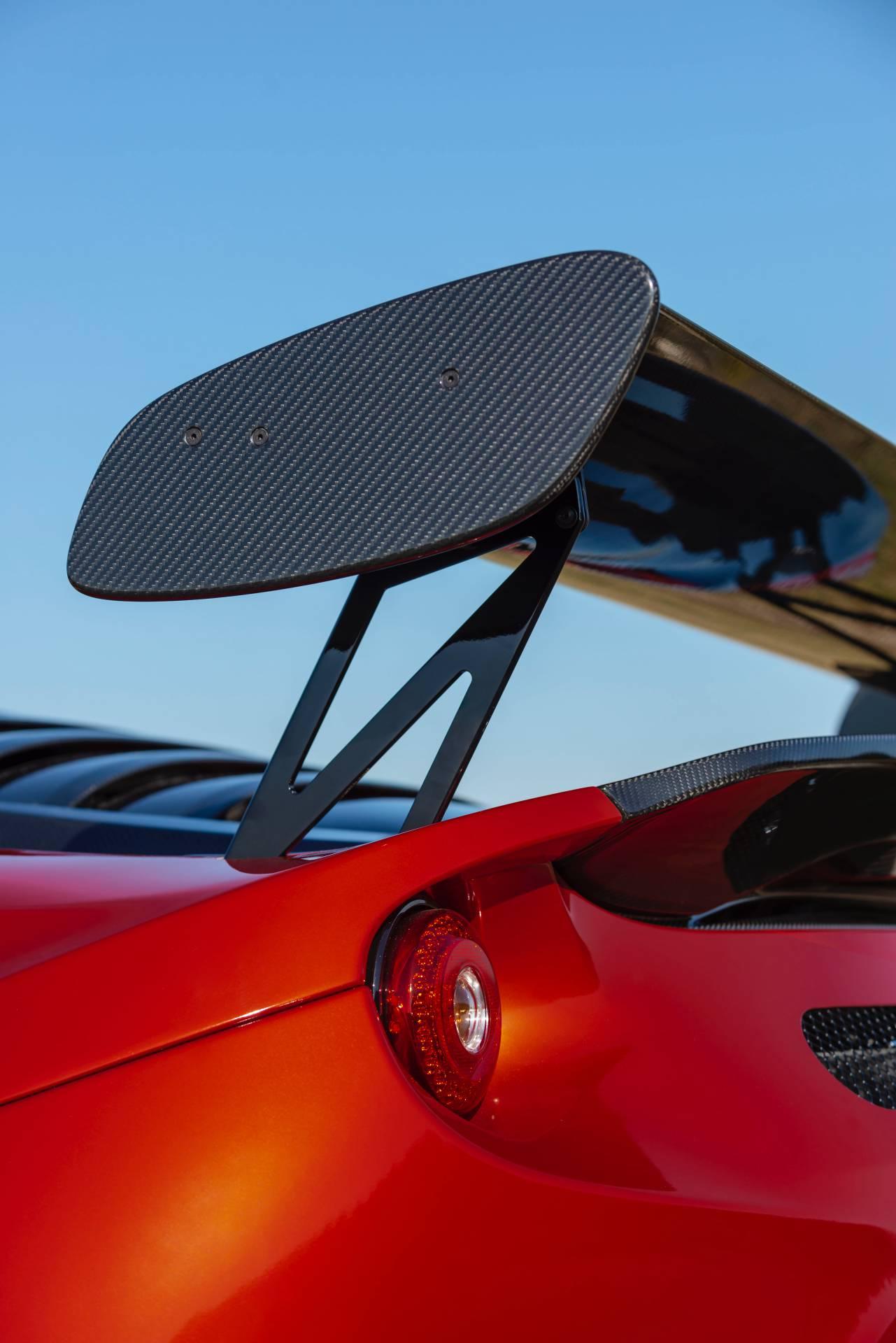Lotus-Evora-GT4-Concept-16