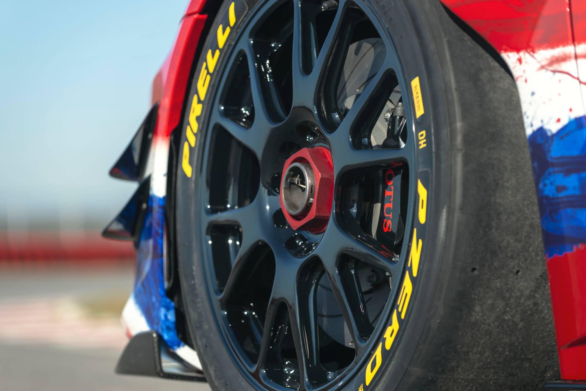 Lotus-Evora-GT4-Concept-17