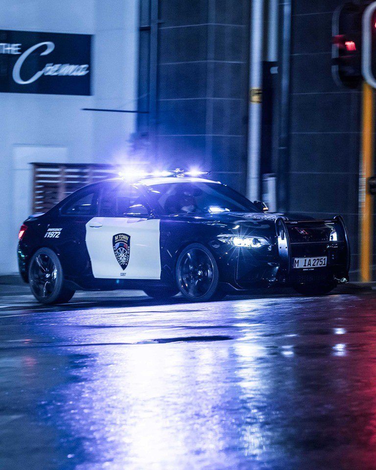 11b627db-bmw-m2-m-town-police-car-1