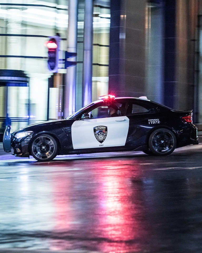 125d6c74-bmw-m2-m-town-police-car-4