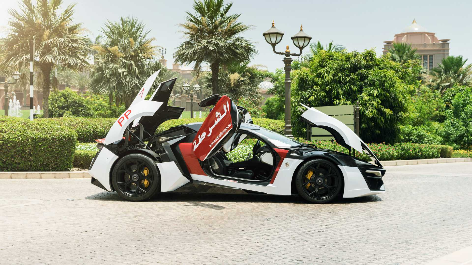 lykan-hypersport-for-abu-dhabi-police-7