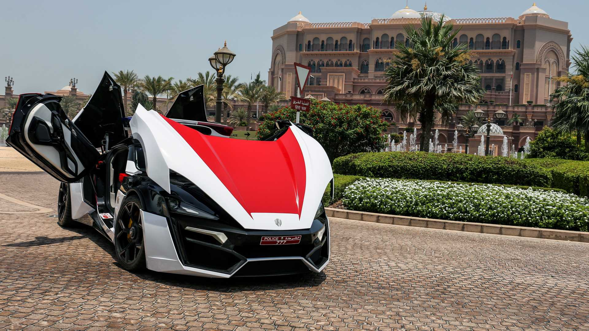 lykan-hypersport-for-abu-dhabi-police