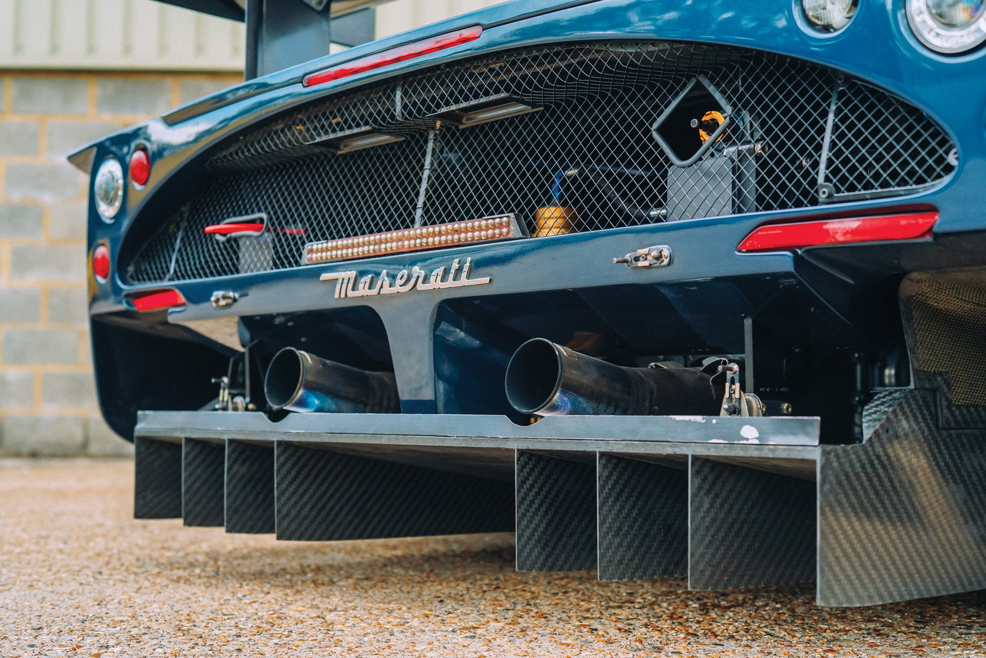 2006-Maserati-MC12-GT1-_15