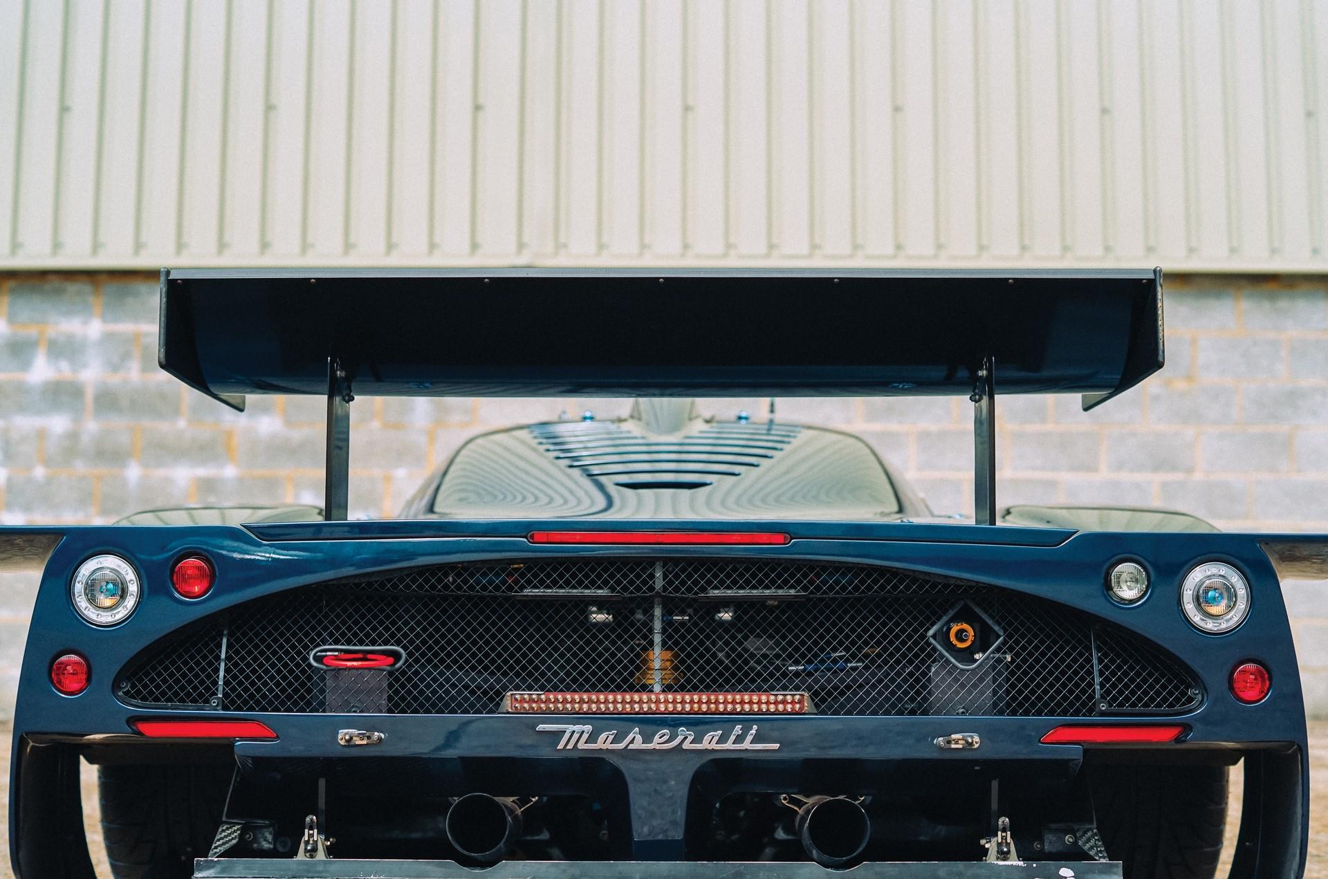 2006-Maserati-MC12-GT1-_18