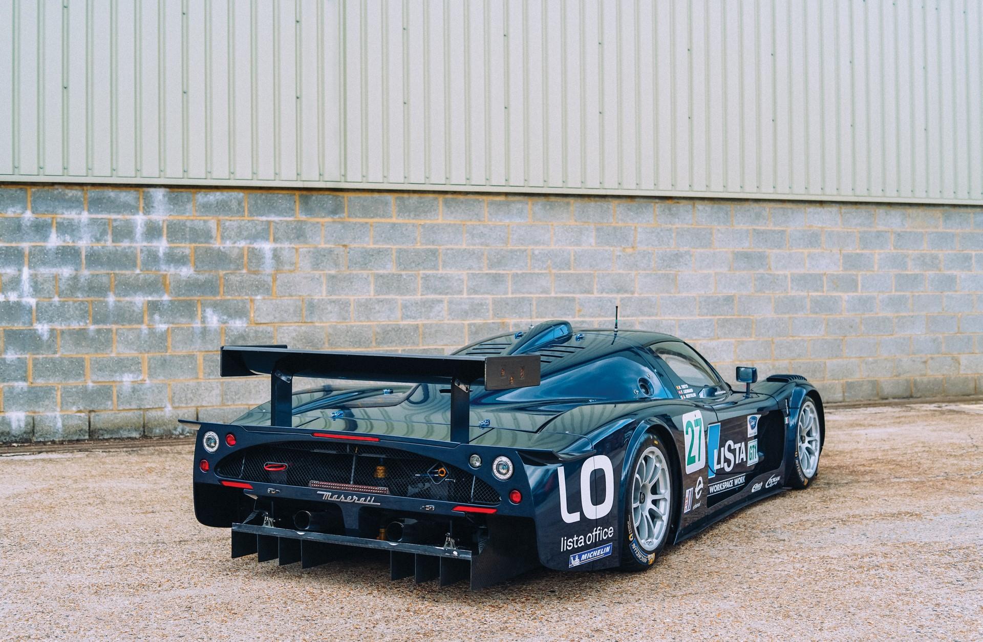 2006-Maserati-MC12-GT1-_2