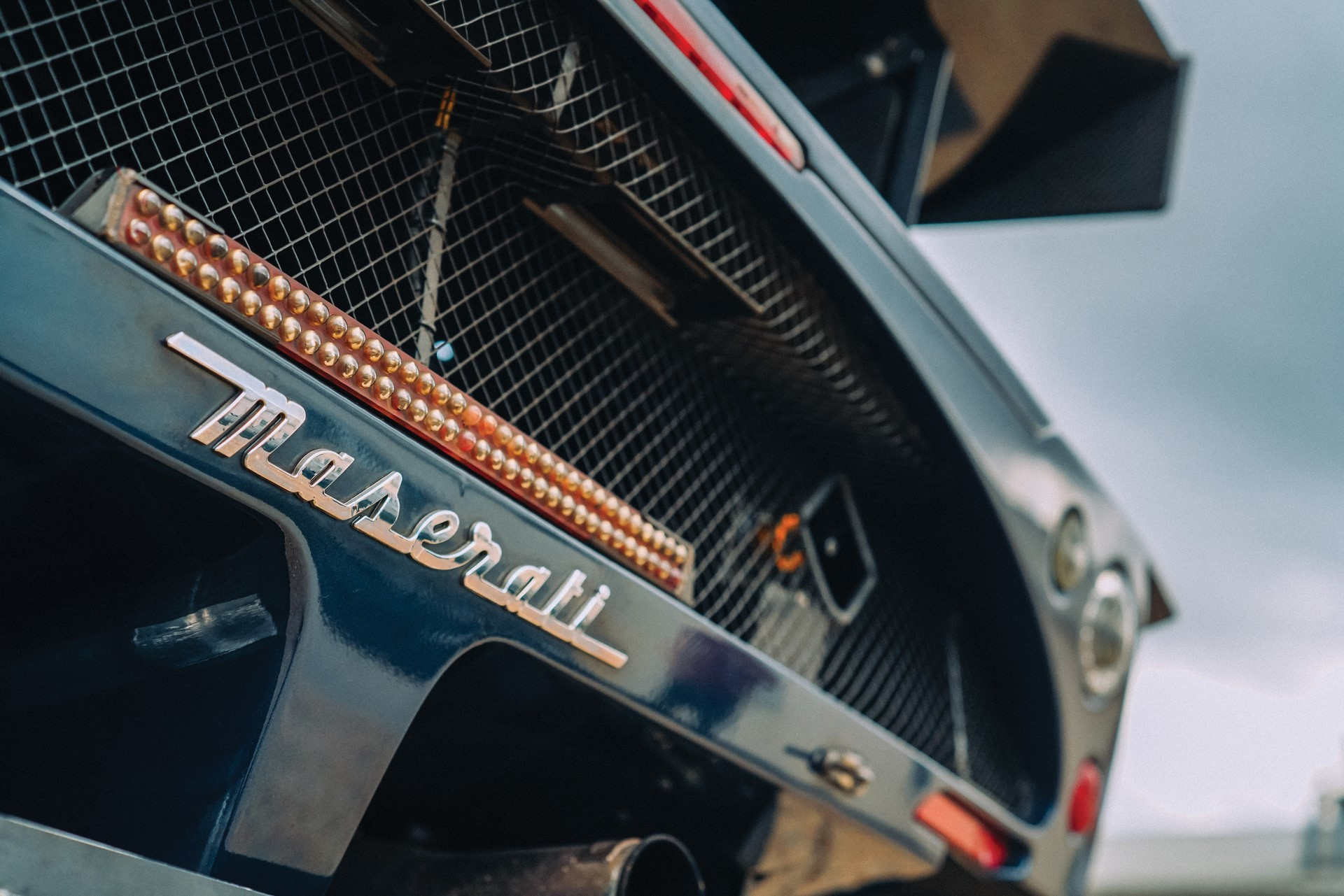 2006-Maserati-MC12-GT1-_8