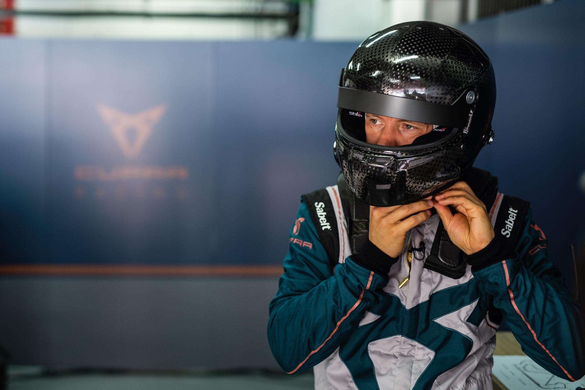 Mattias_Ekström_Cupra_e-Racer_0004