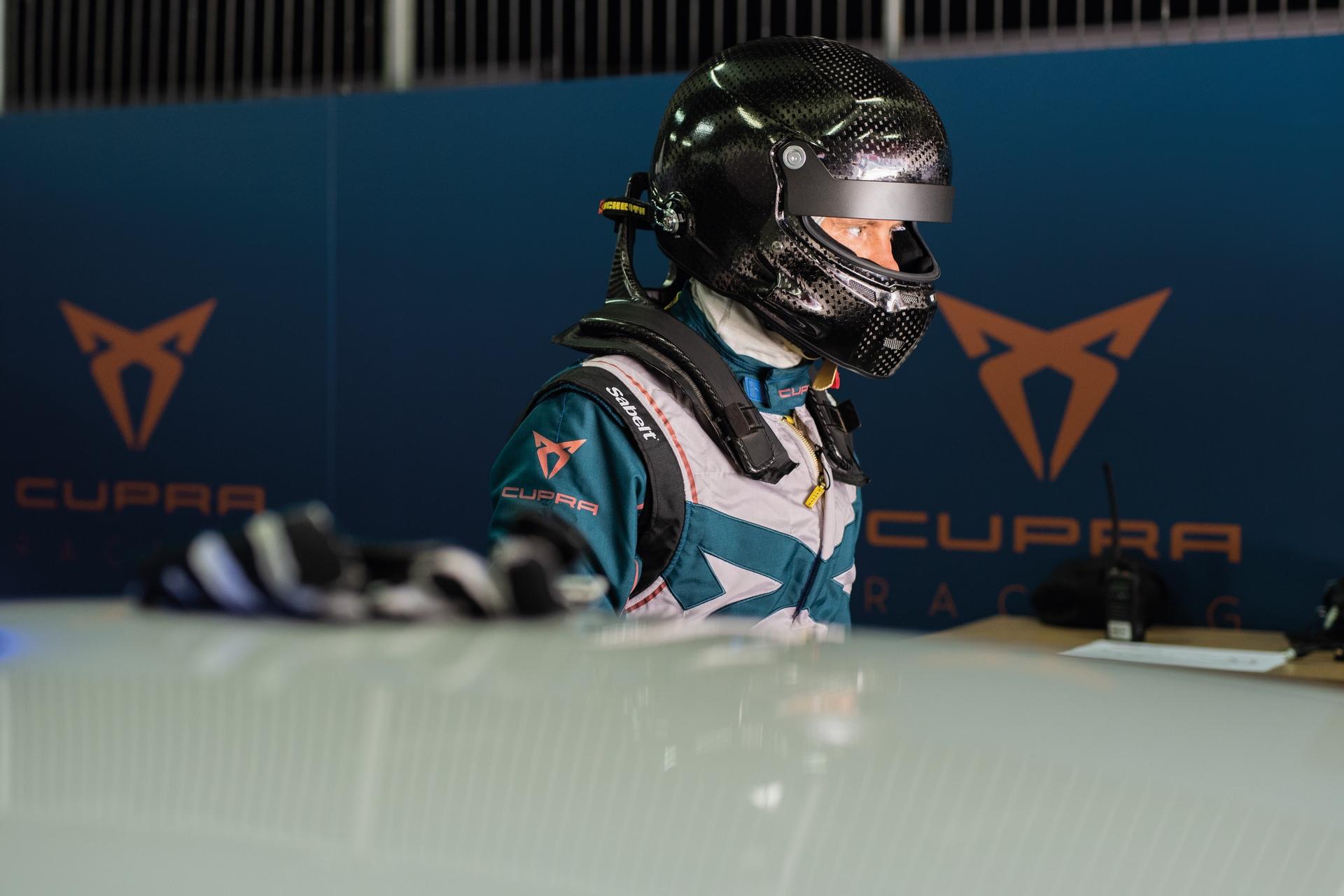 Mattias_Ekström_Cupra_e-Racer_0006