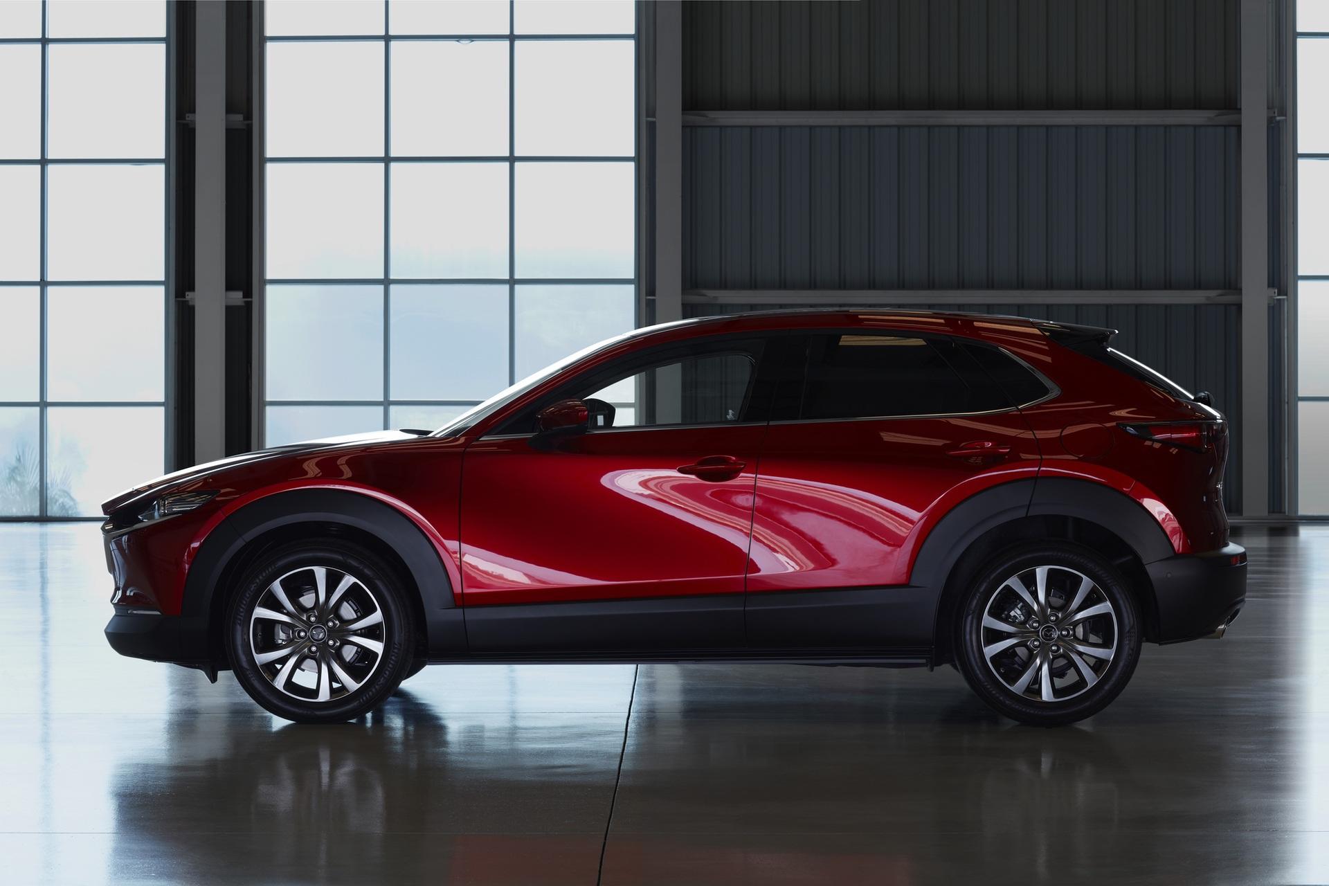 Mazda-CX-30_at_2019GIMS_5