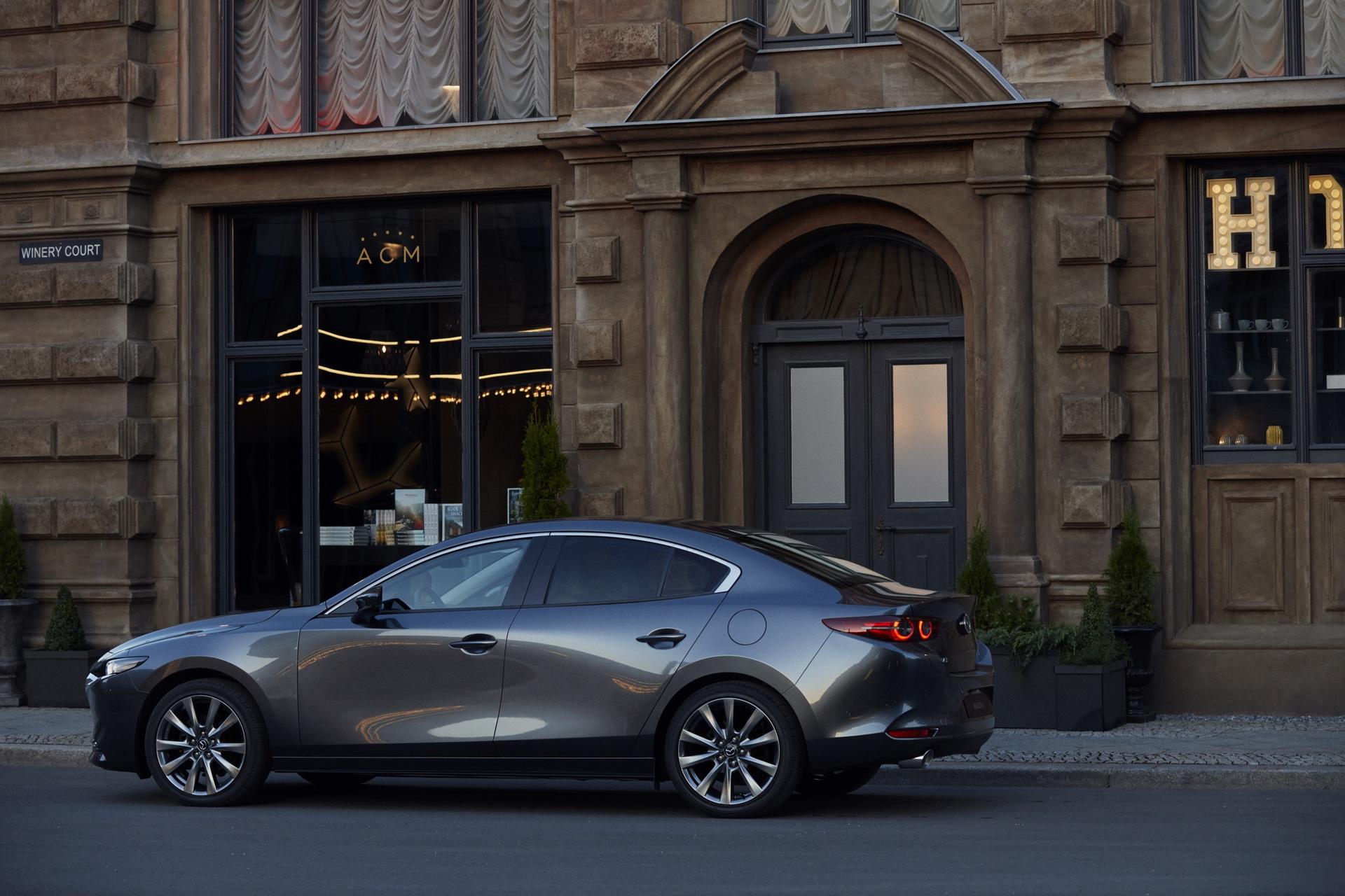 Mazda3_SDN_EXT_5