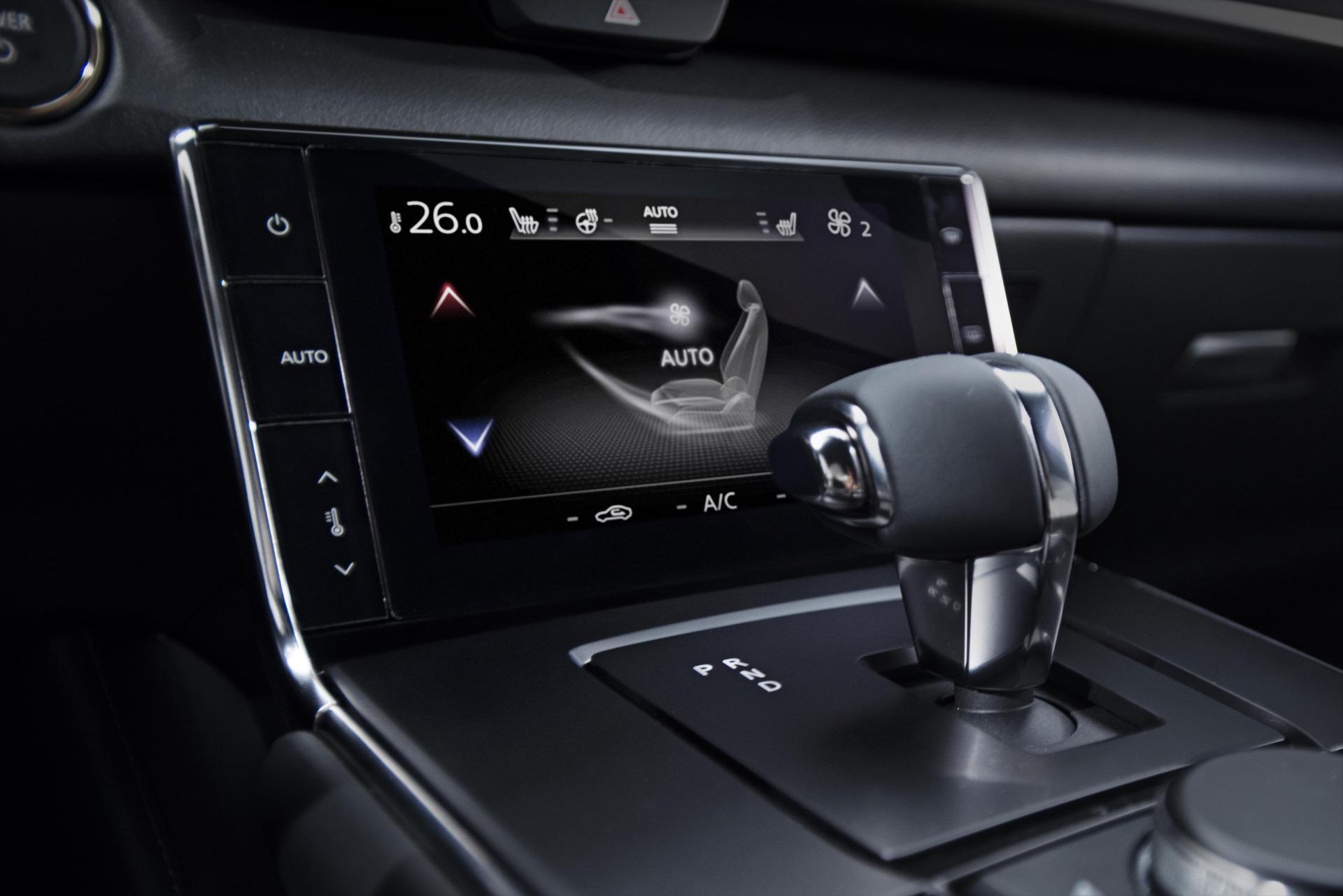 Mazda_MX-30_0003
