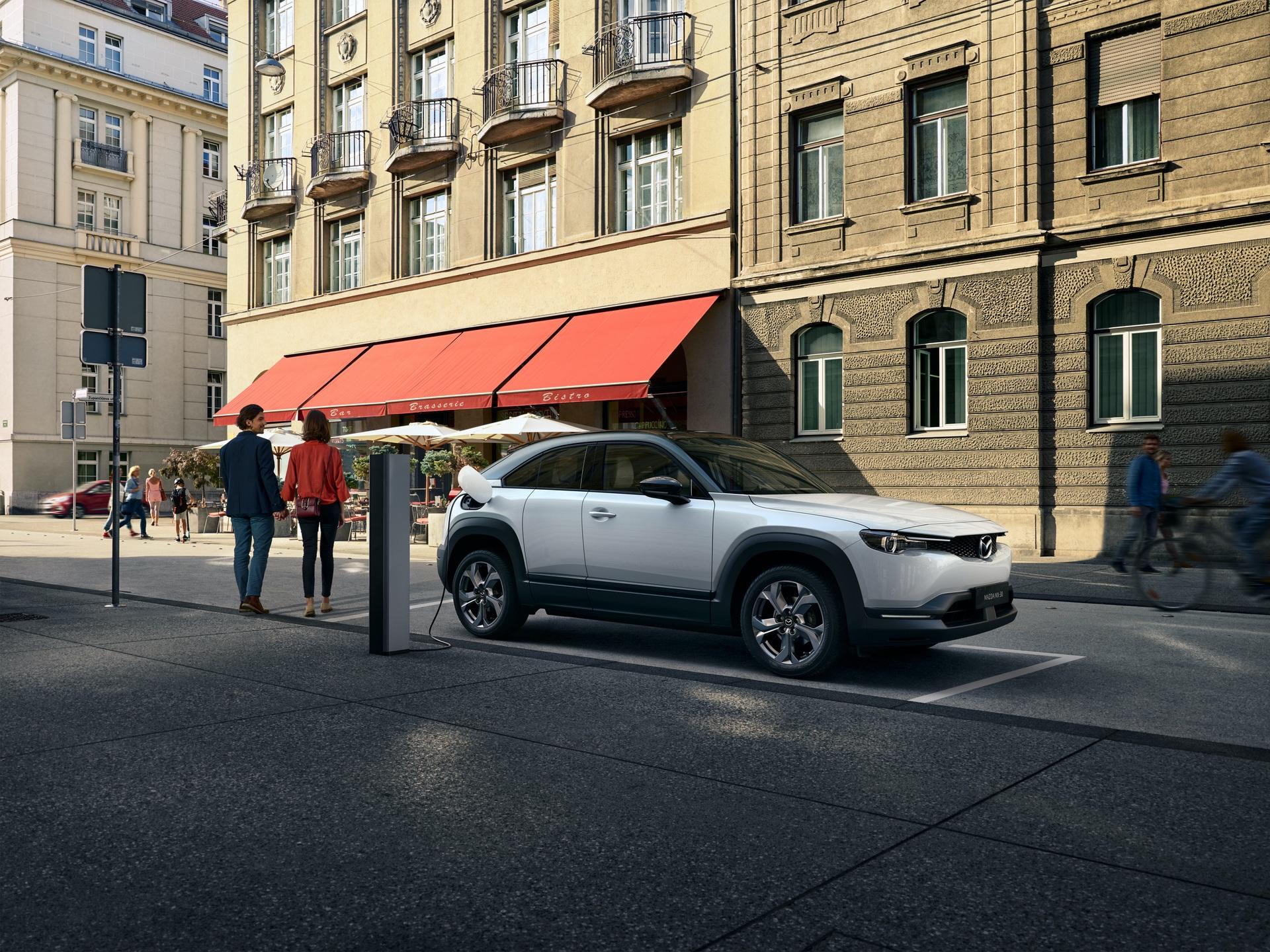 Mazda_MX-30_0009