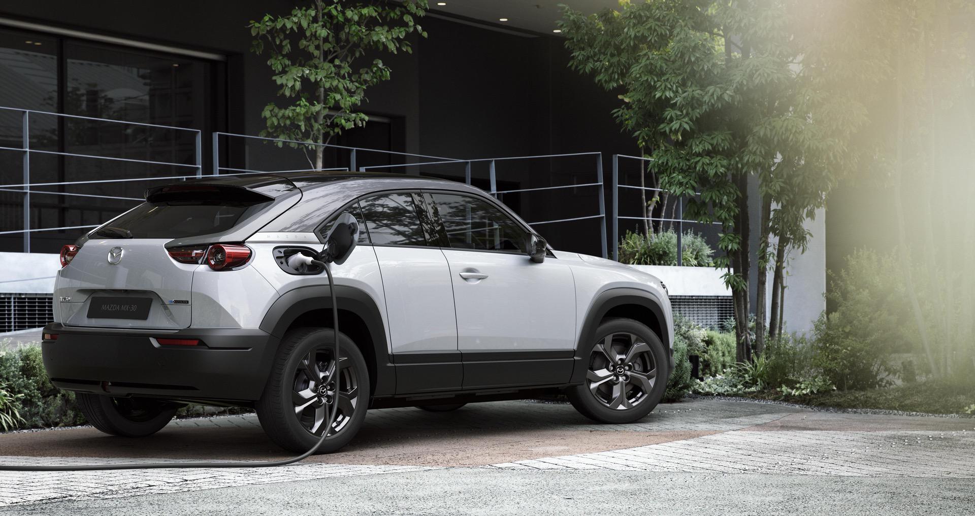 Mazda_MX-30_0011