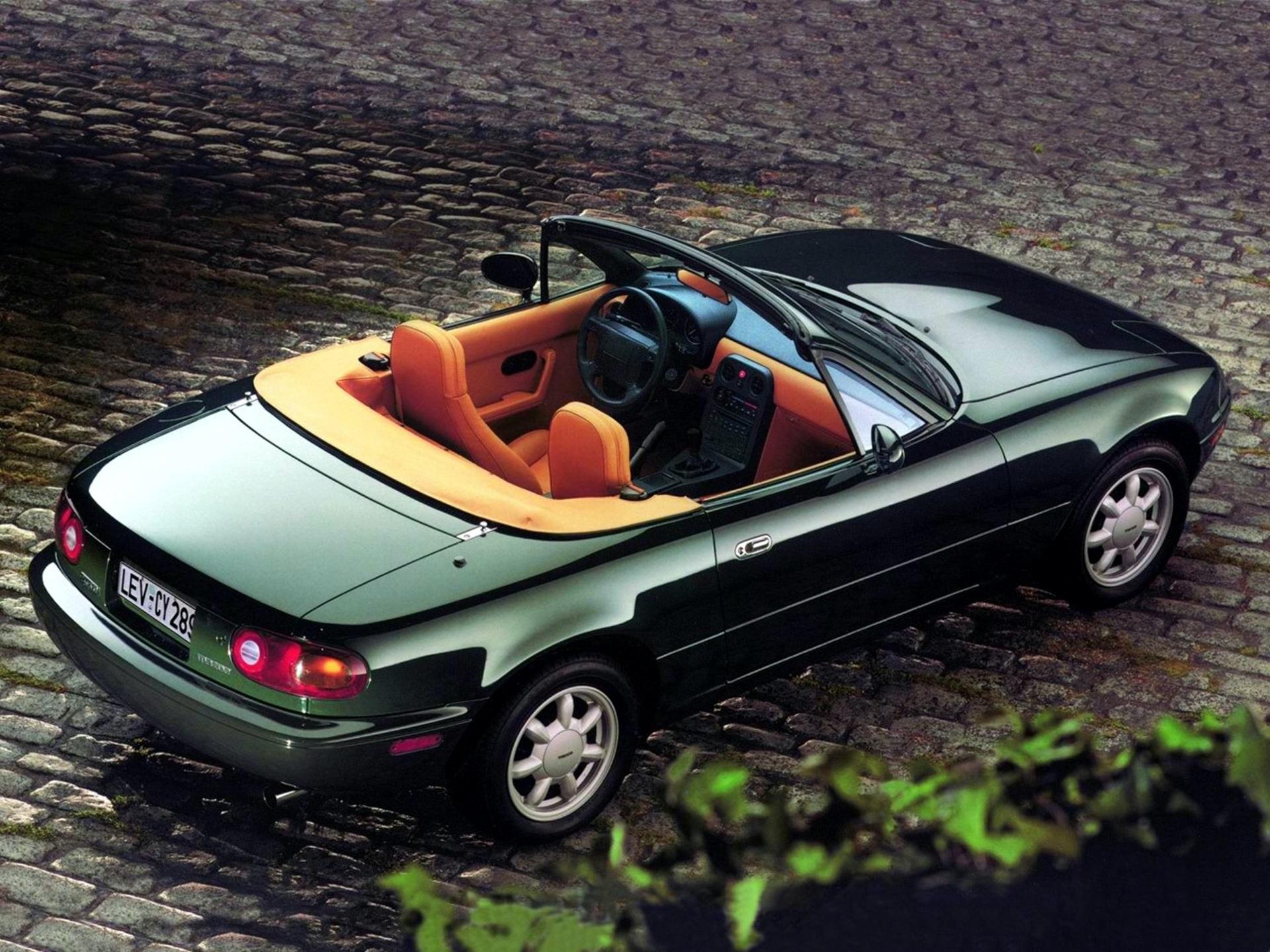 Mazda_MX-5_NA_0009