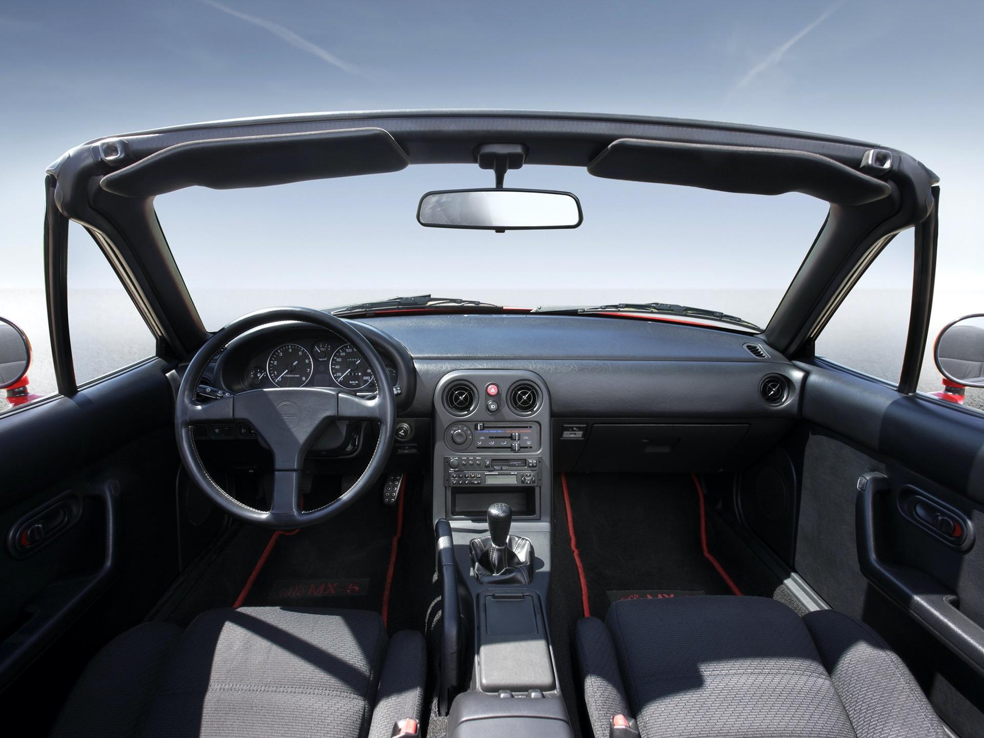 Mazda_MX-5_NA_0011